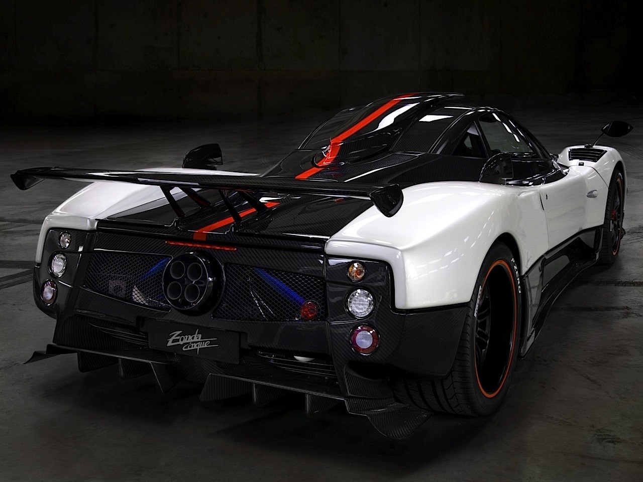 pagani zonda cinque specs photos 2008 2009. Black Bedroom Furniture Sets. Home Design Ideas