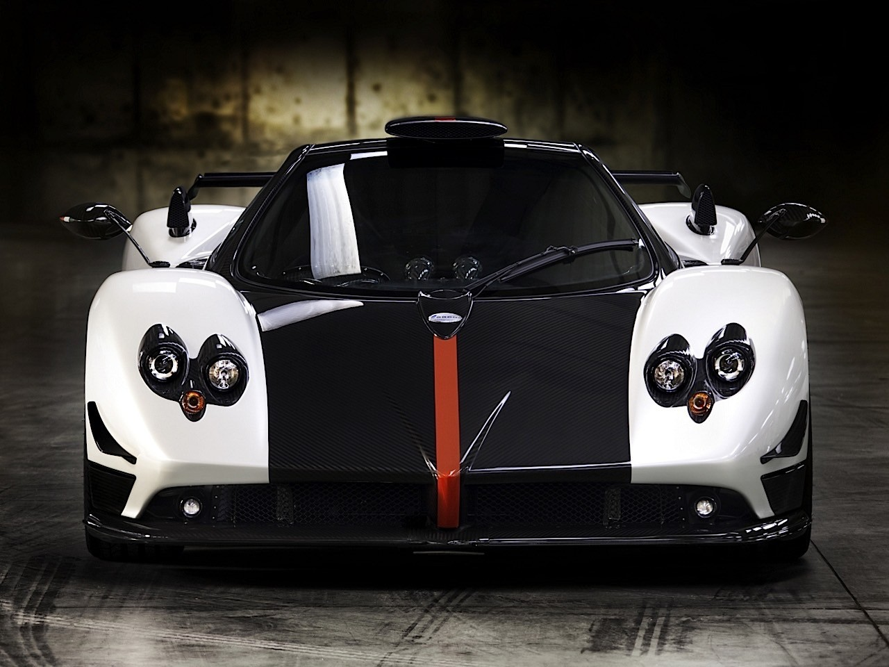 pagani zonda cinque 2008 2009 autoevolution. Black Bedroom Furniture Sets. Home Design Ideas