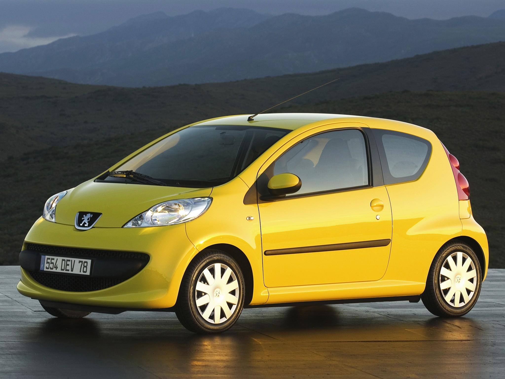 PEUGEOT 107 3 Doors Specs & Photos