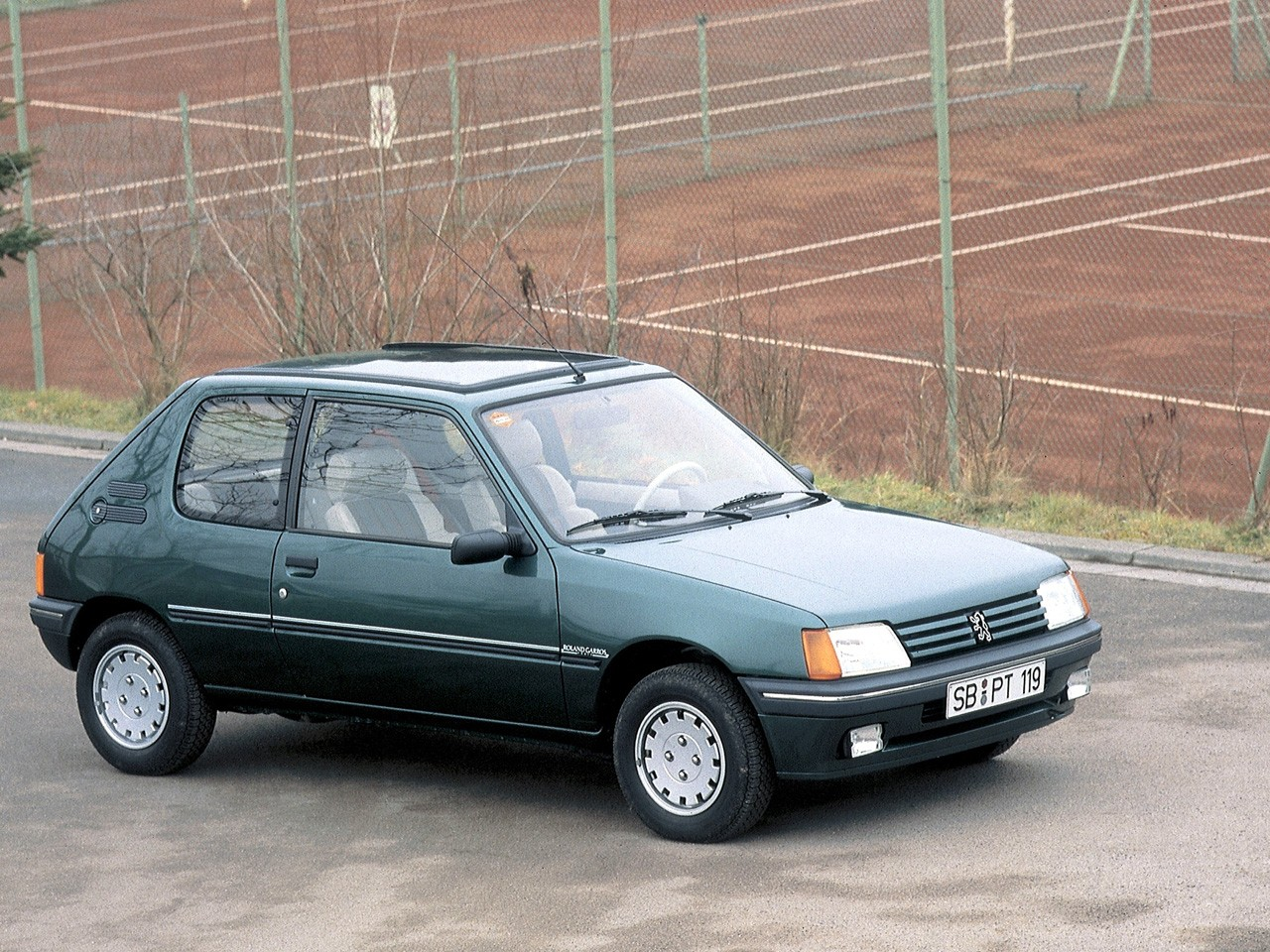 Peugeot 205 3 Doors Specs  U0026 Photos