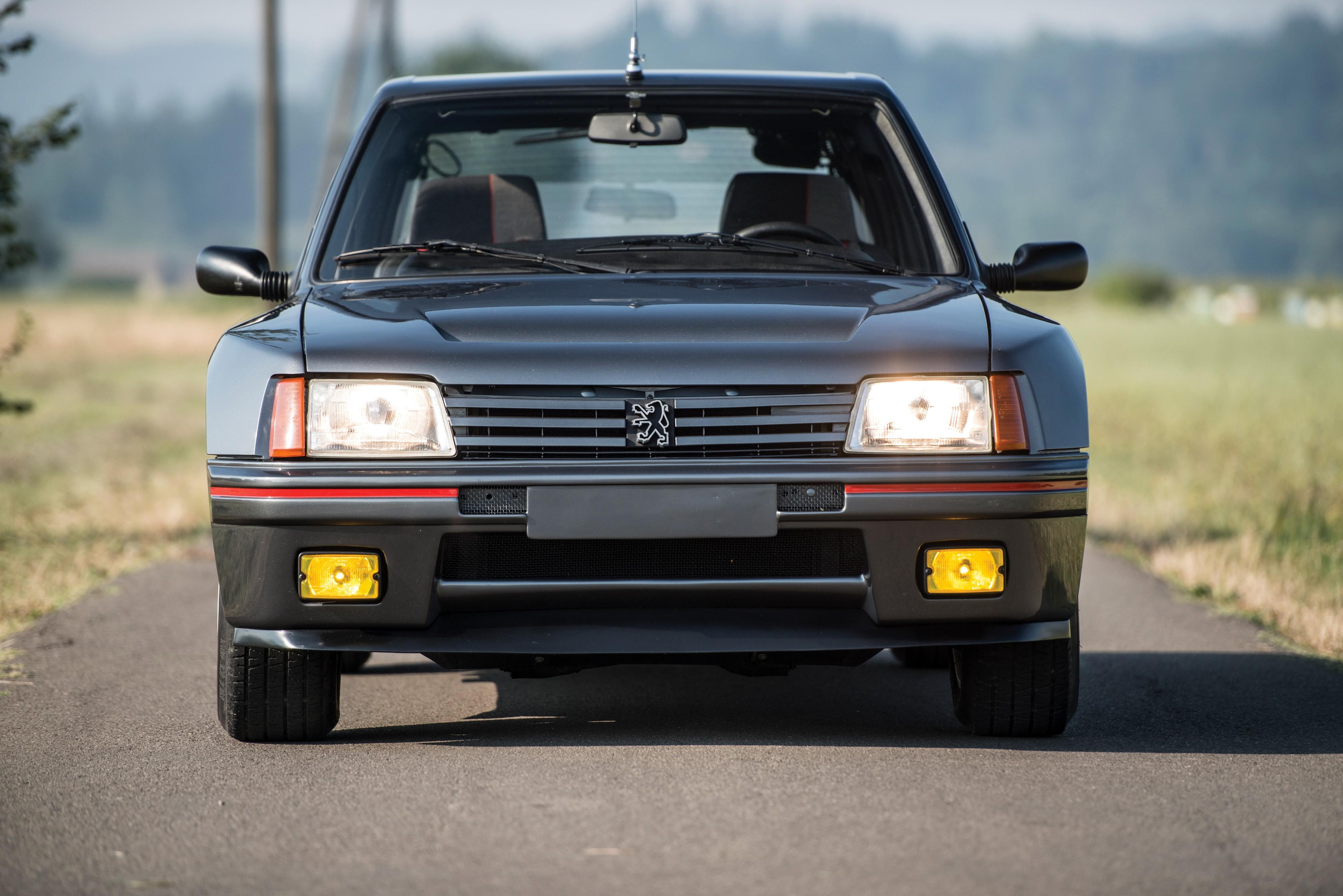 Peugeot 205 T16 Specs 1984 1985 Autoevolution