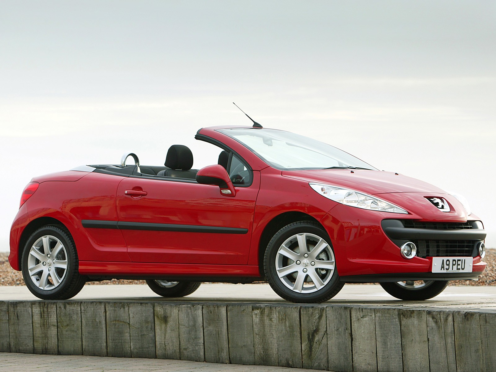 peugeot 207 cc specs 2007 2008 2009 autoevolution. Black Bedroom Furniture Sets. Home Design Ideas