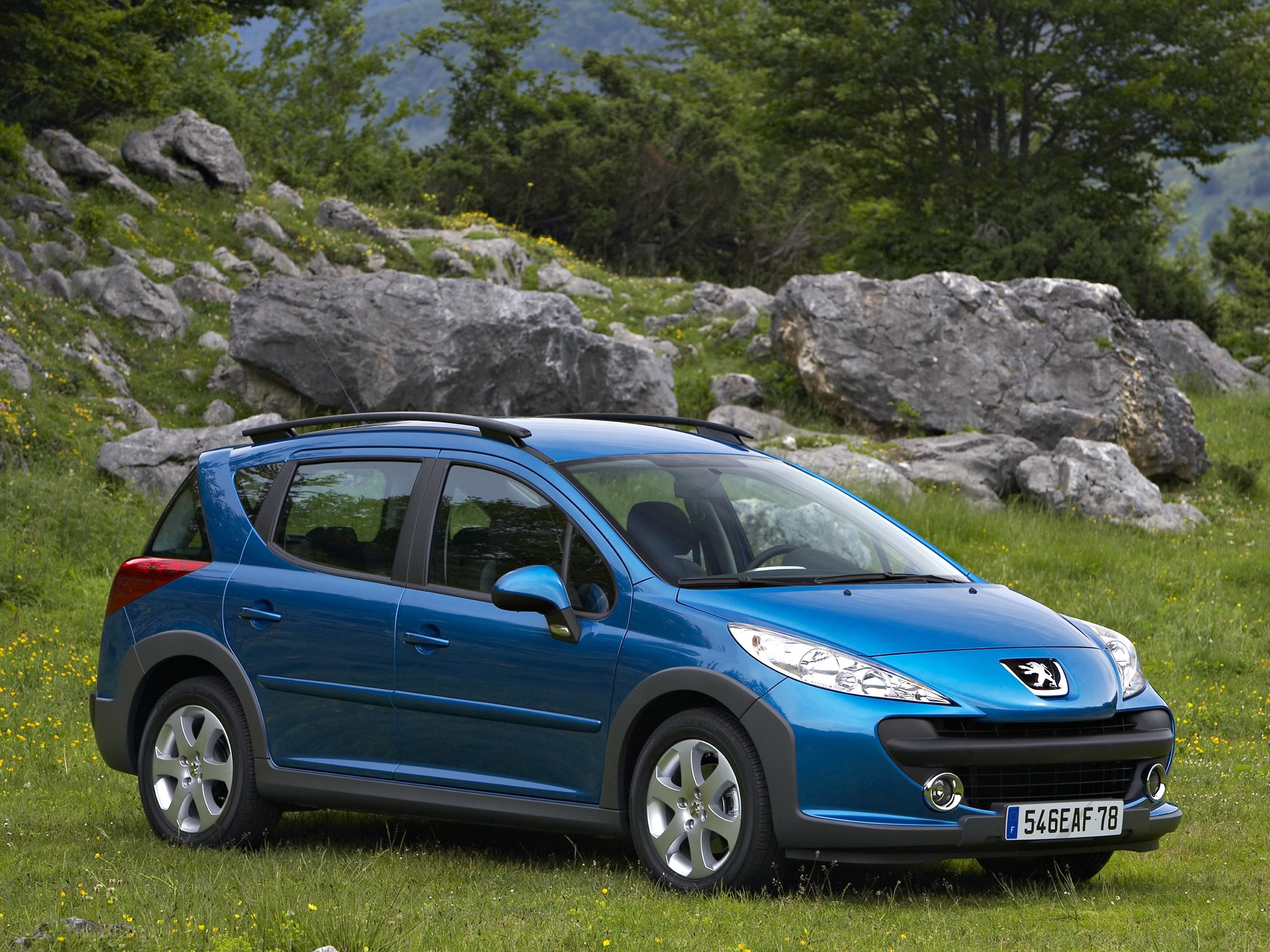 Off Roading Cars >> PEUGEOT 207 SW Outdoor specs & photos - 2008, 2009, 2010, 2011, 2012 - autoevolution