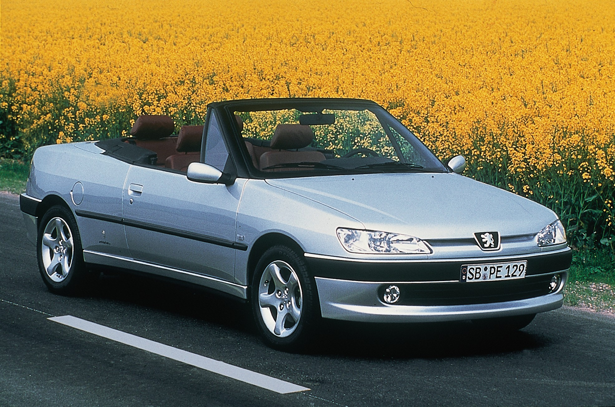 Peugeot 306 Cabriolet 1997 besides Jaguar Xk 2006 in addition 2000 Opel Omega together with RACING CARS likewise Audi 100 Interior 1. on 1997 acura coupe
