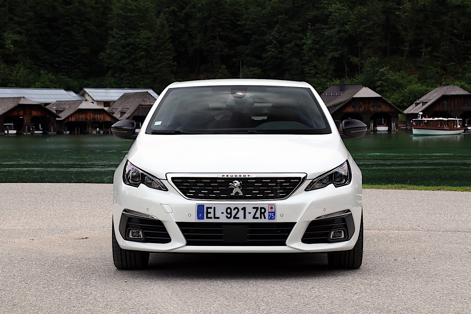 peugeot 308 5 doors specs 2017 2018 autoevolution. Black Bedroom Furniture Sets. Home Design Ideas
