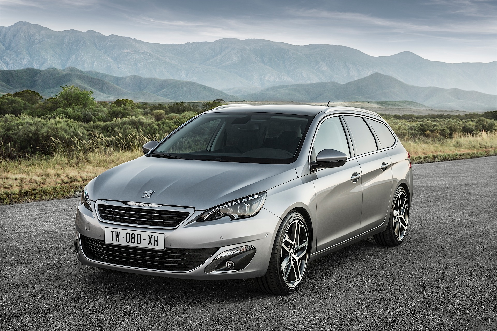 peugeot 308 sw specs photos 2014 2015 2016 2017 autoevolution. Black Bedroom Furniture Sets. Home Design Ideas