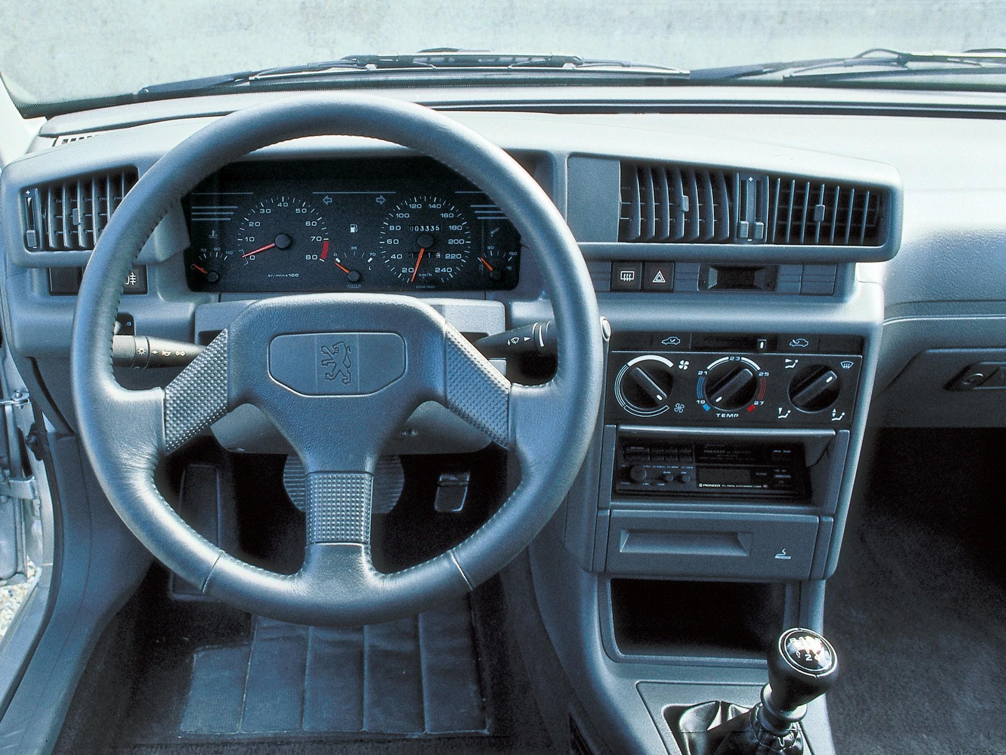 Porsche 928 interior porsche 928 interior 1 - Peugeot 405 1987 1988 1989 1990 1991 1992 1993
