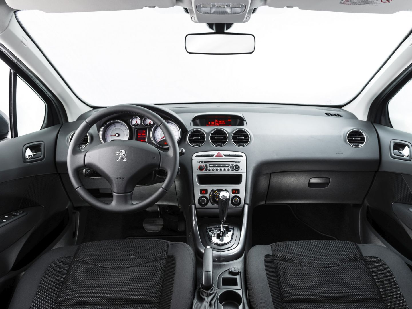 image gallery peugeot 408 2015 interior