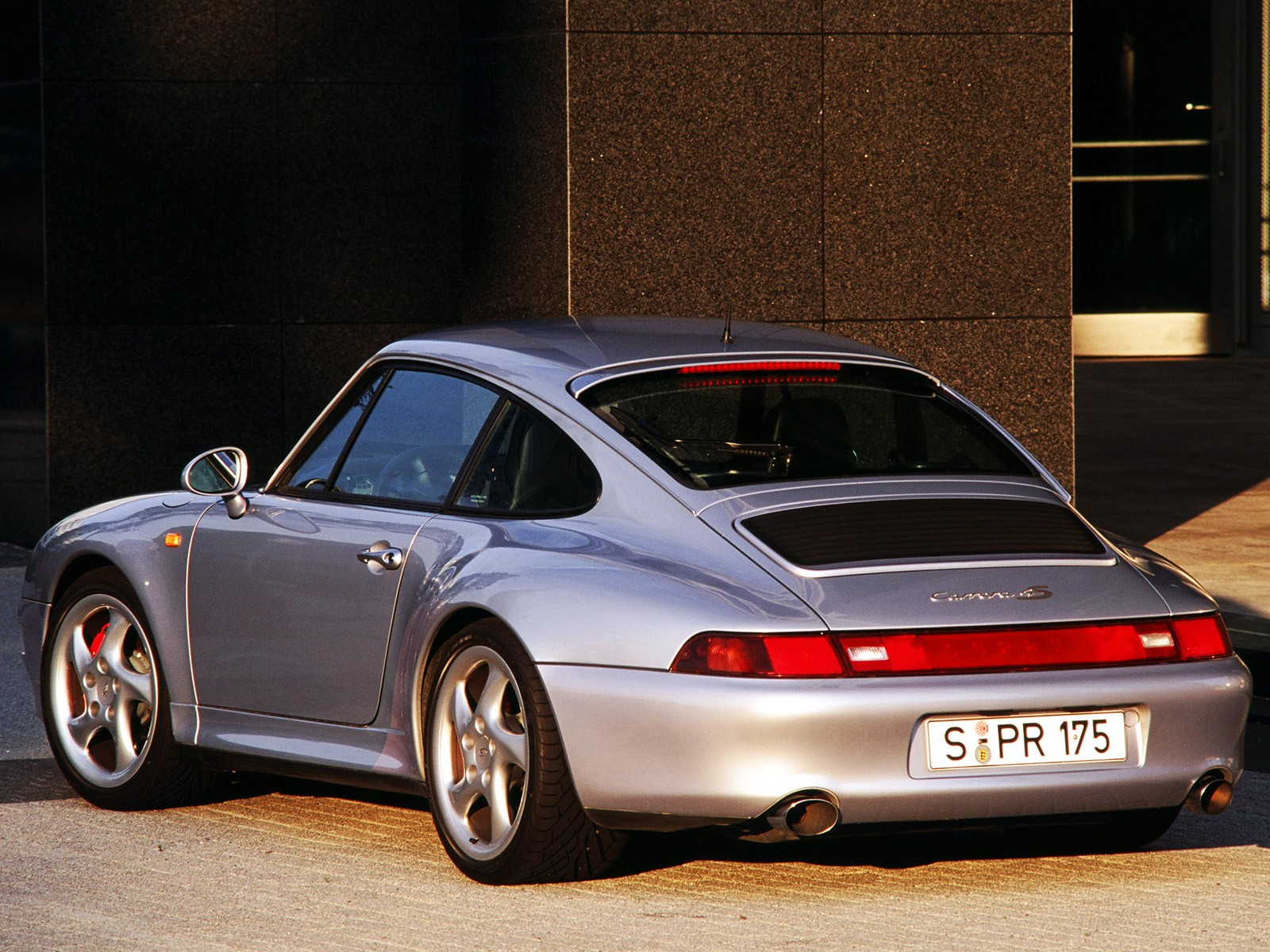 porsche 911 carrera 4s 993 specs 1995 1996 1997 1998 autoevolution. Black Bedroom Furniture Sets. Home Design Ideas