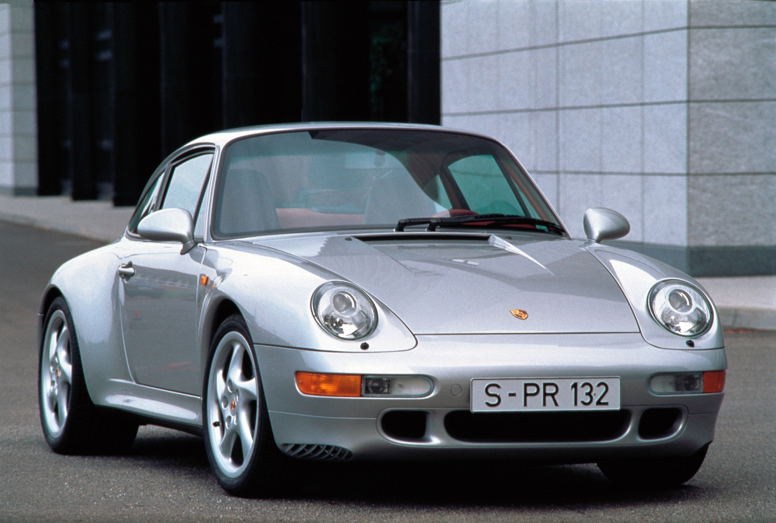 porsche 911 carrera s 993 specs photos 1995 1996 1997 autoevolution. Black Bedroom Furniture Sets. Home Design Ideas