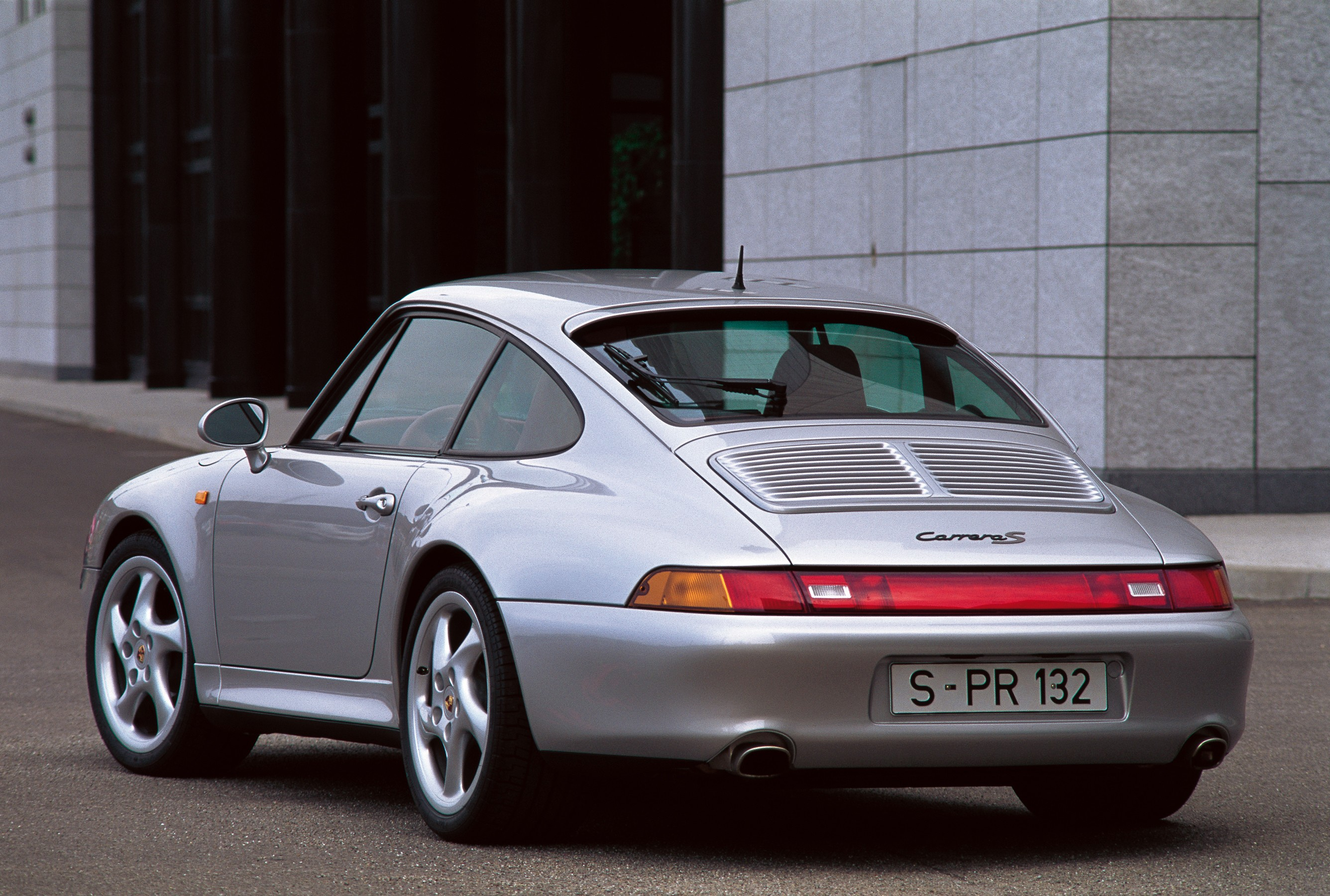 Porsche 911 Carrera S 993 Specs Amp Photos 1995 1996
