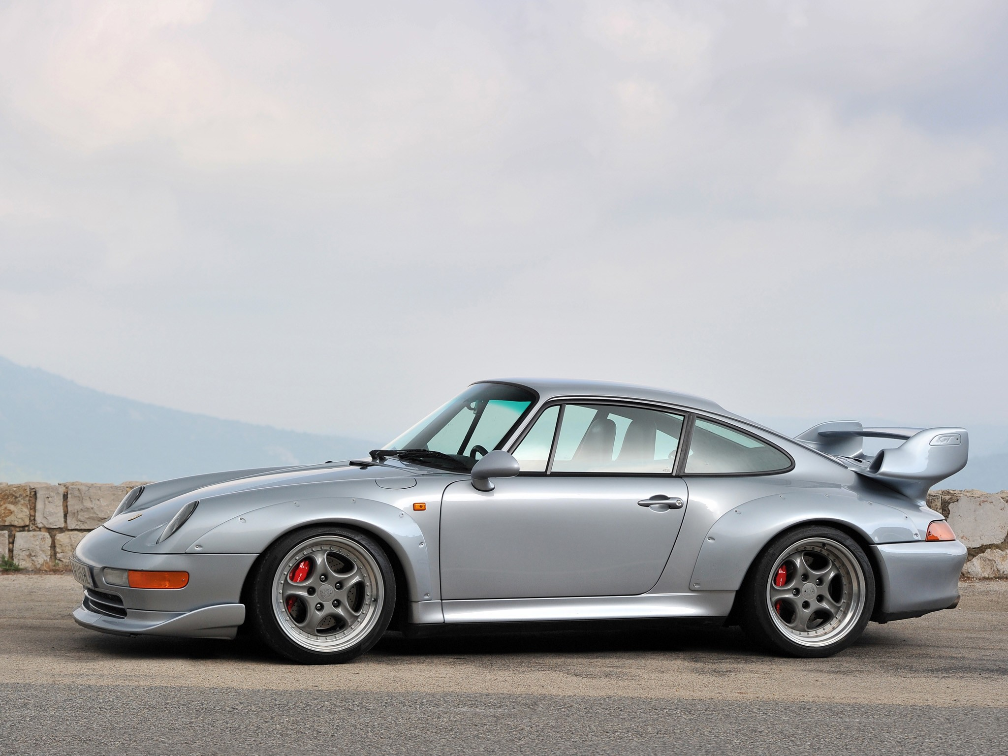 porsche 911 gt2 993 specs 1995 1996 1997 autoevolution. Black Bedroom Furniture Sets. Home Design Ideas