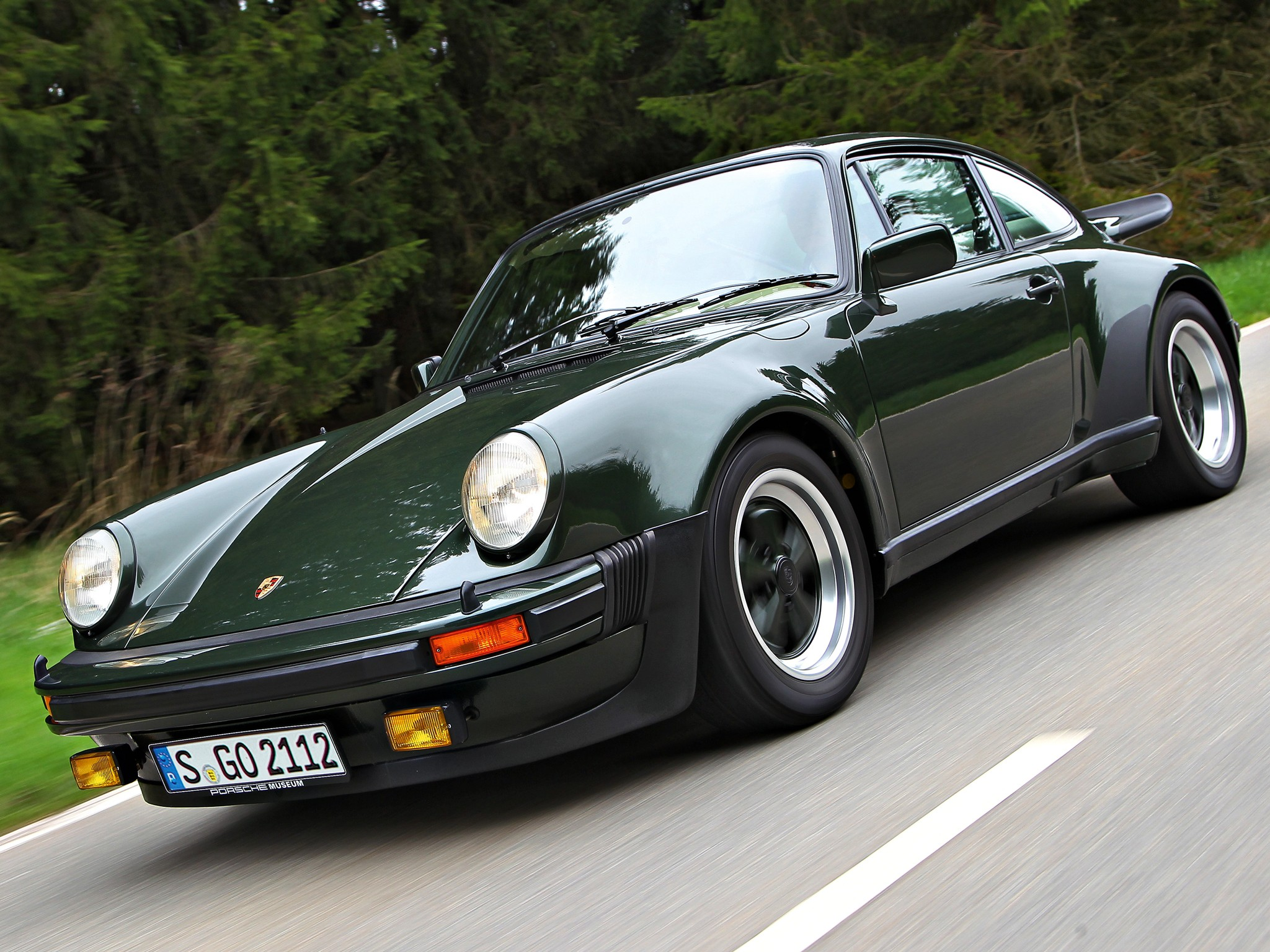 porsche 911 turbo 930 specs 1974 1975 1976 1977 autoevolution. Black Bedroom Furniture Sets. Home Design Ideas