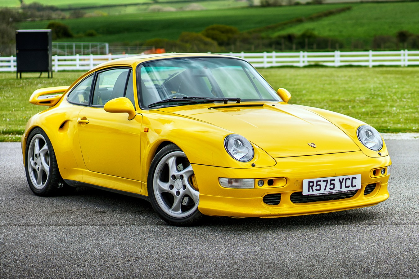 porsche 911 turbo 993 specs 1995 1996 1997 autoevolution. Black Bedroom Furniture Sets. Home Design Ideas
