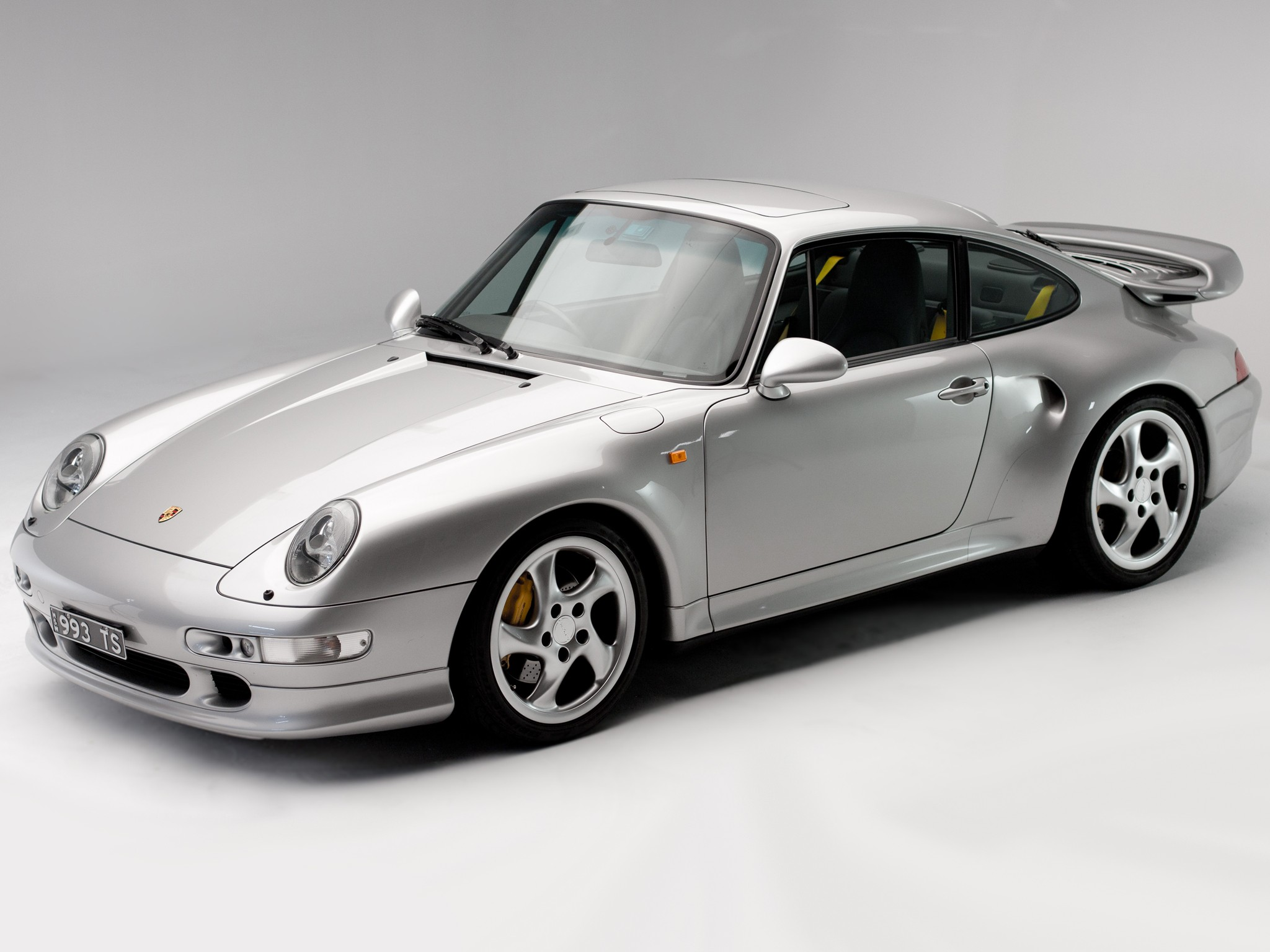 porsche 911 turbo 993 1995 1996 1997 autoevolution. Black Bedroom Furniture Sets. Home Design Ideas