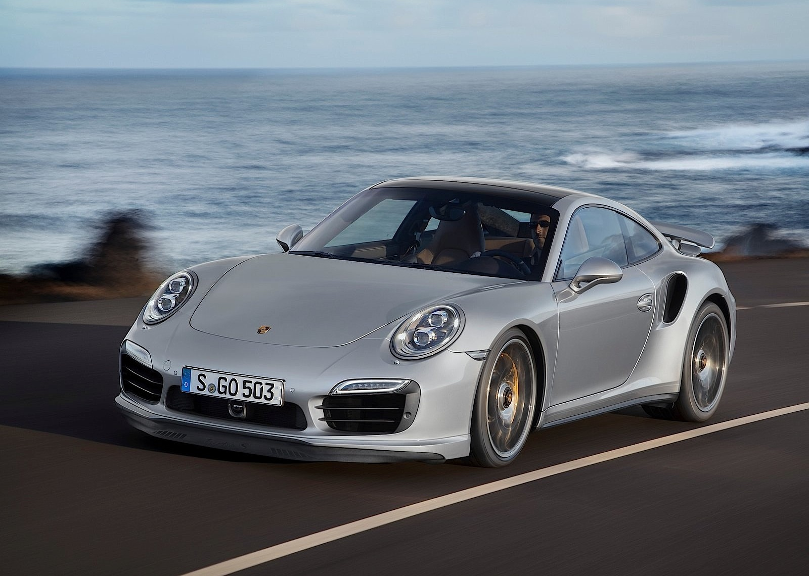 porsche 911 turbo s 991 specs 2013 2014 2015 2016 autoevolution. Black Bedroom Furniture Sets. Home Design Ideas