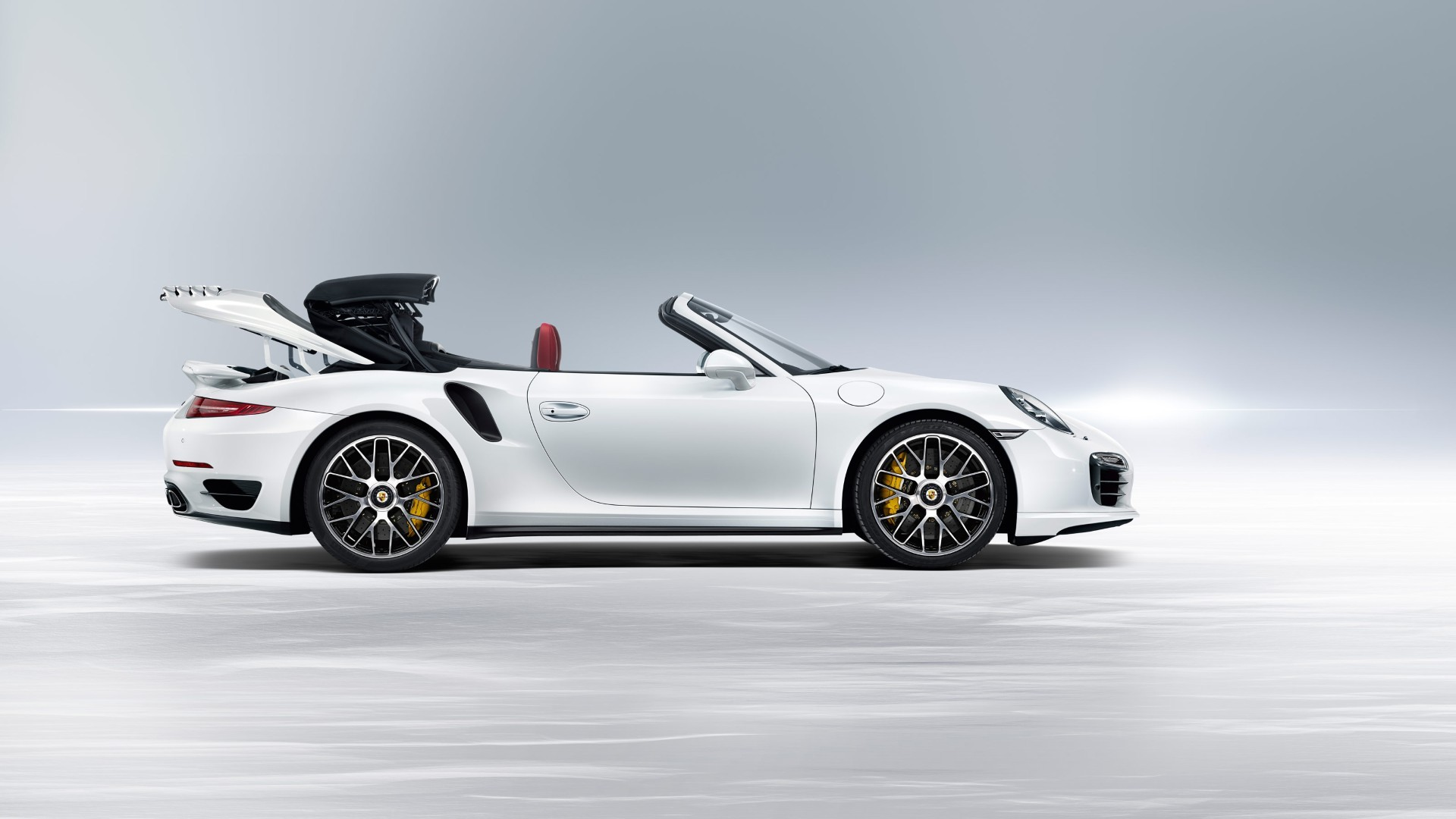 porsche 911 turbo s cabriolet 991 2013 2014 2015 2016 autoevolution. Black Bedroom Furniture Sets. Home Design Ideas