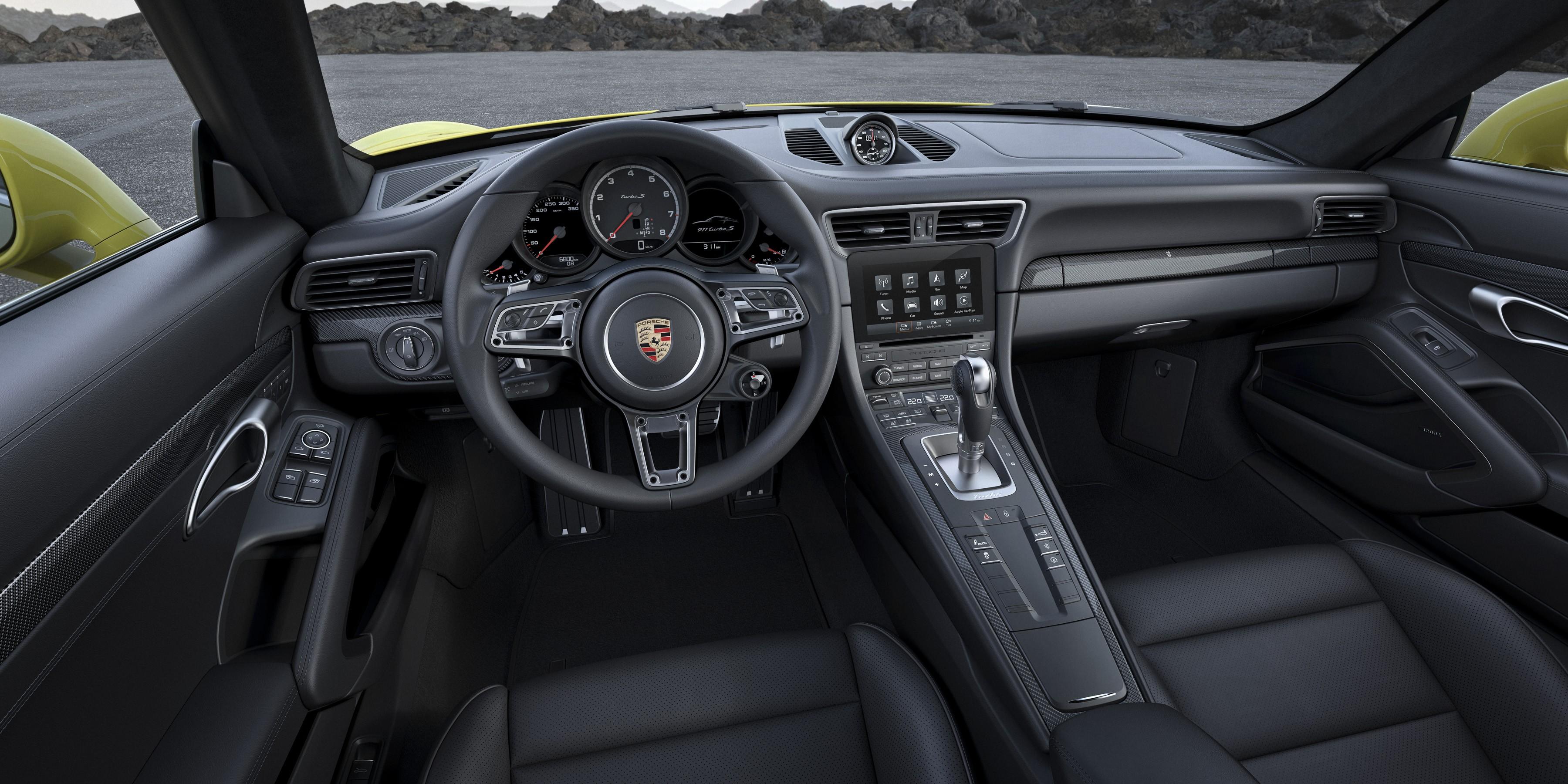 PORSCHE 911 Turbo S Cabriolet Interior