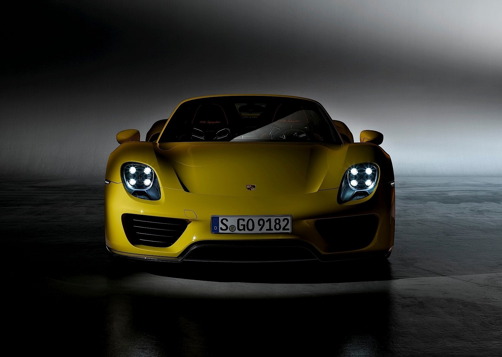 porsche 918 spyder 2014 2015 2016 2017 autoevolution. Black Bedroom Furniture Sets. Home Design Ideas