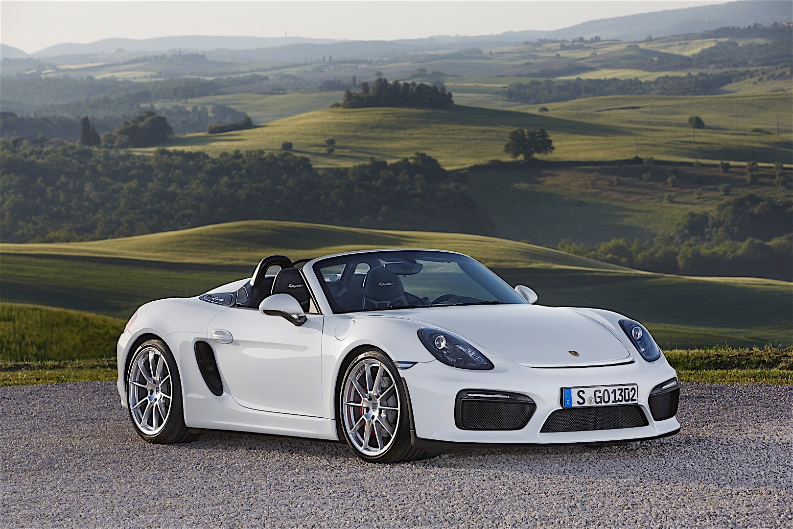 Porsche Boxster Spyder 2016 on tuning car radio