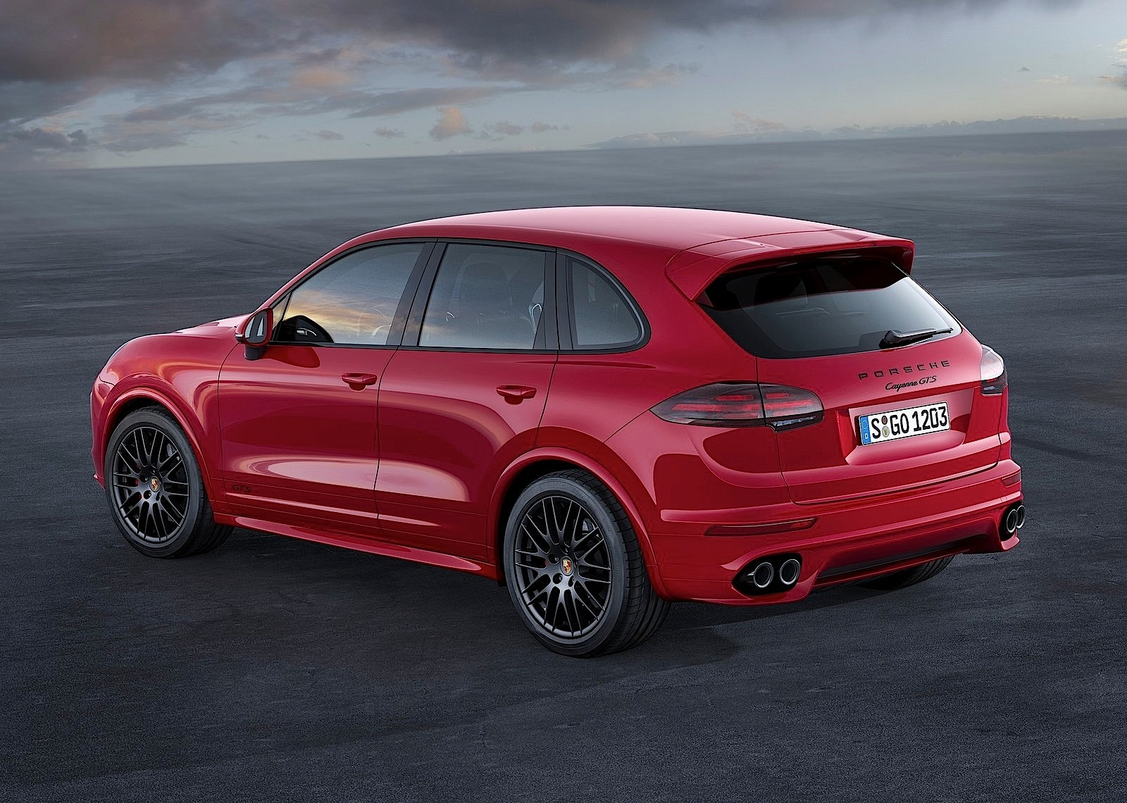 porsche cayenne gts 2014 2015 2016 autoevolution. Black Bedroom Furniture Sets. Home Design Ideas