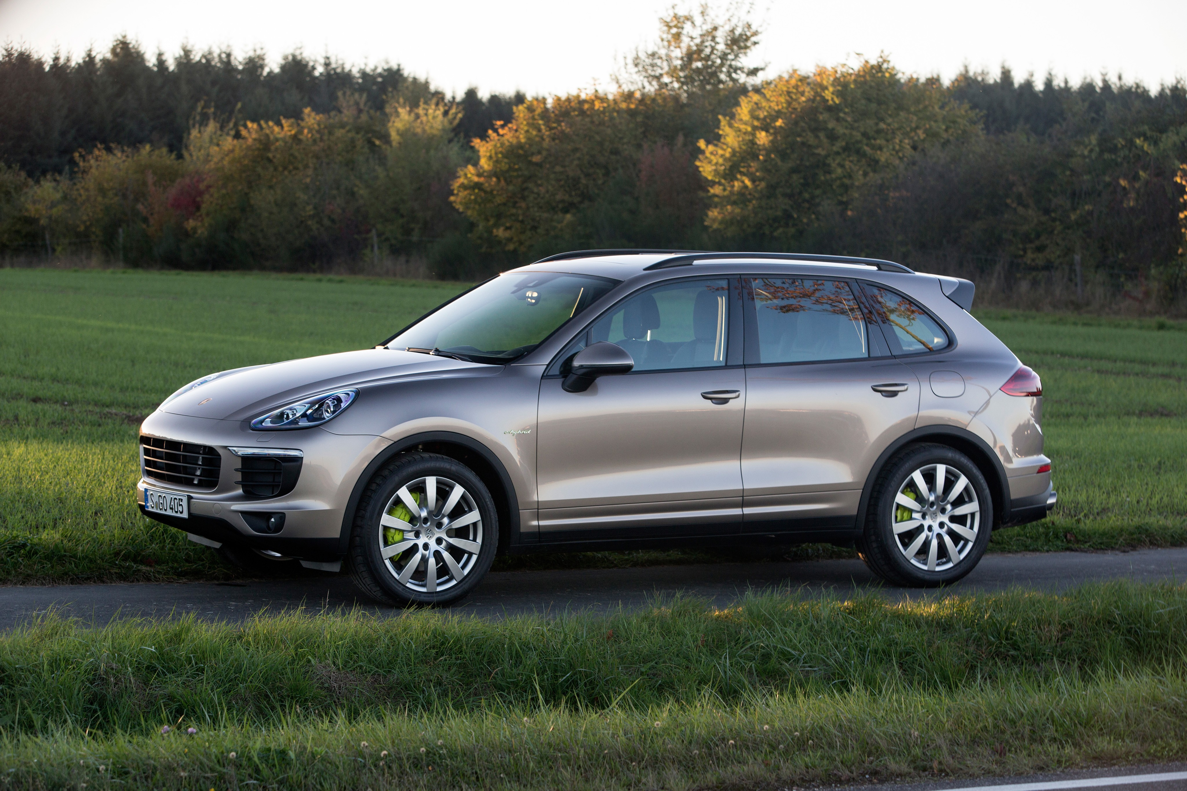 porsche cayenne s e hybrid 2014 2015 2016 2017. Black Bedroom Furniture Sets. Home Design Ideas