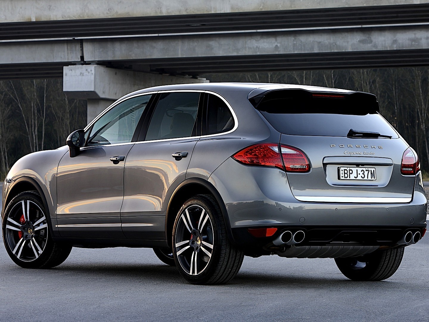 Porsche Cayenne Turbo Specs Amp Photos 2010 2011 2012