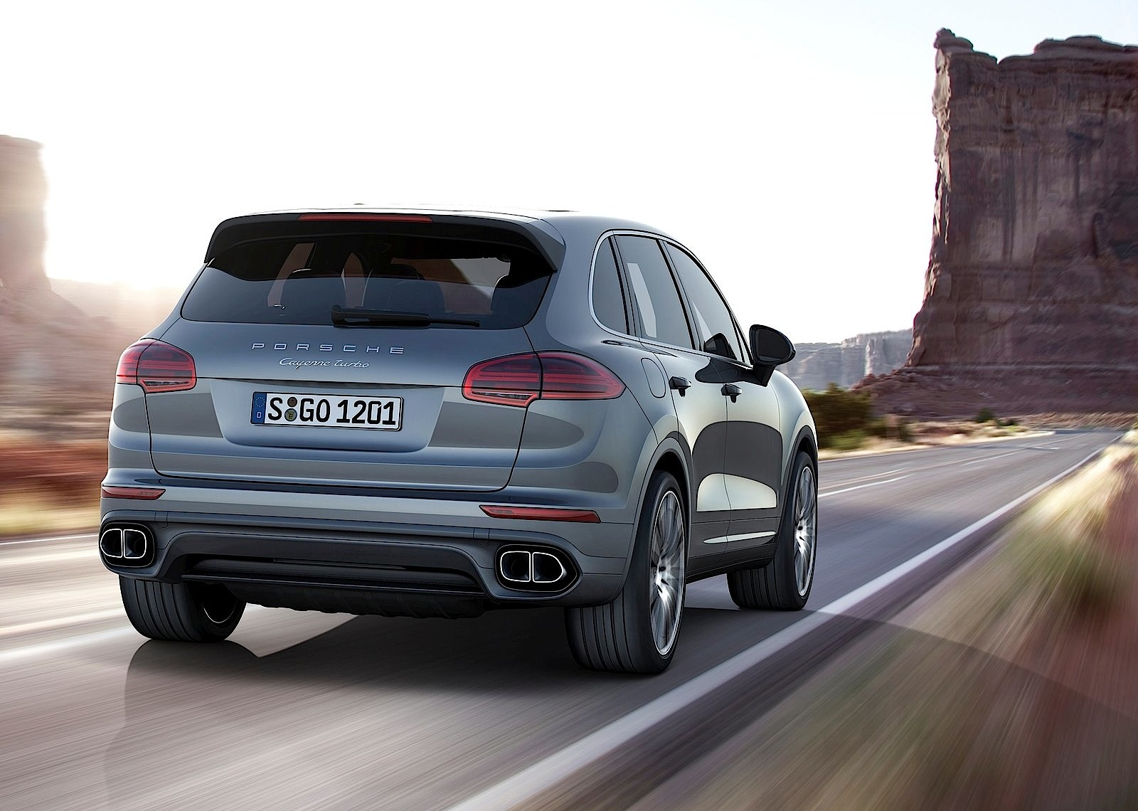 porsche cayenne turbo 2014 2015 2016 autoevolution. Black Bedroom Furniture Sets. Home Design Ideas