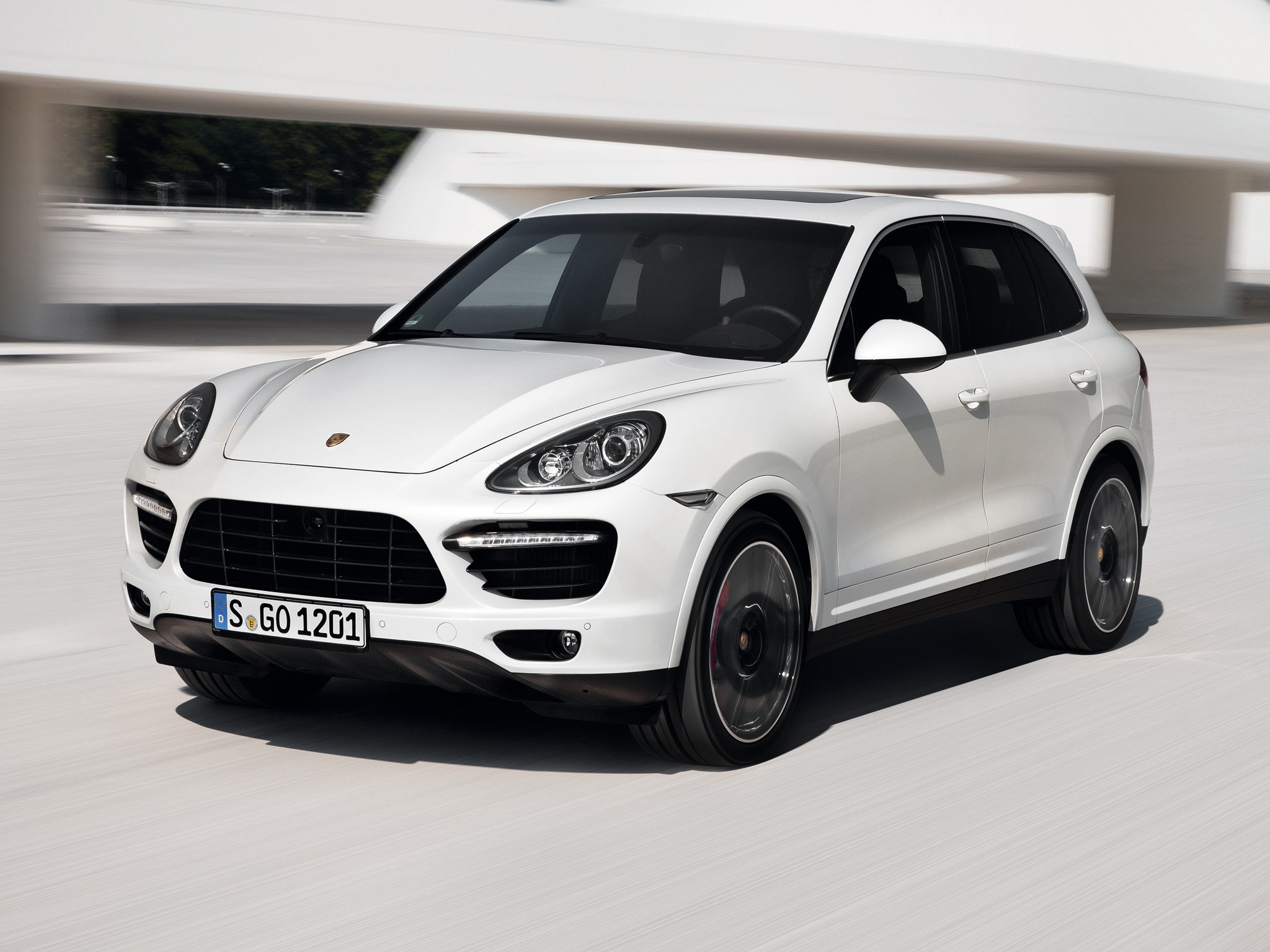 porsche cayenne turbo s 2012 2013 2014 autoevolution. Black Bedroom Furniture Sets. Home Design Ideas