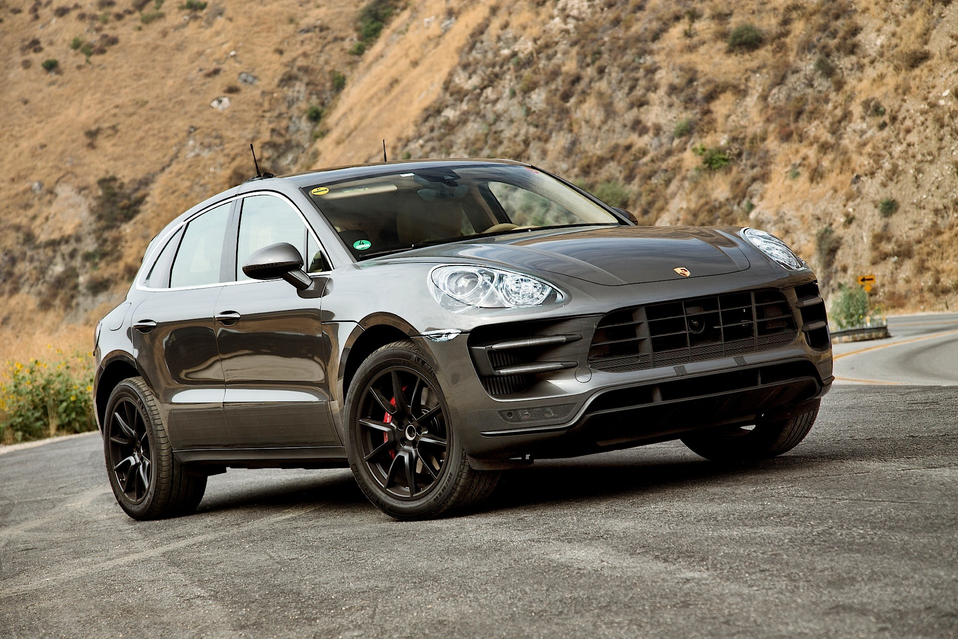 porsche macan 2014 2015 autoevolution. Black Bedroom Furniture Sets. Home Design Ideas