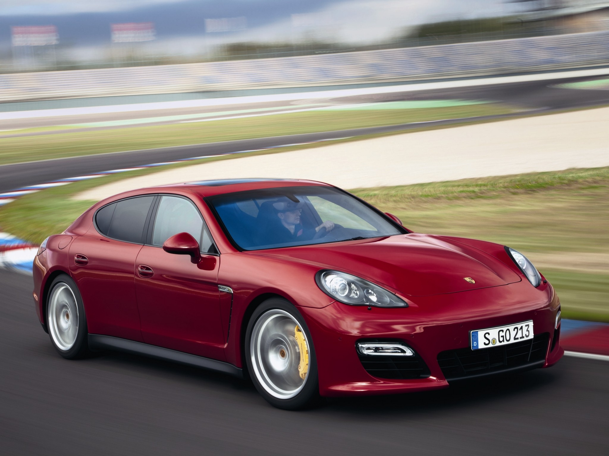porsche panamera gts specs 2011 2012 2013 autoevolution. Black Bedroom Furniture Sets. Home Design Ideas