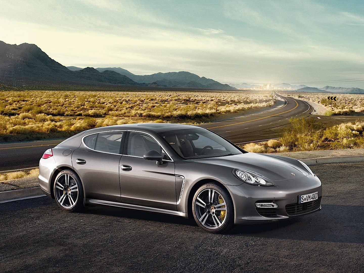 porsche panamera turbo s 907 specs 2011 2012 2013 autoevolution. Black Bedroom Furniture Sets. Home Design Ideas