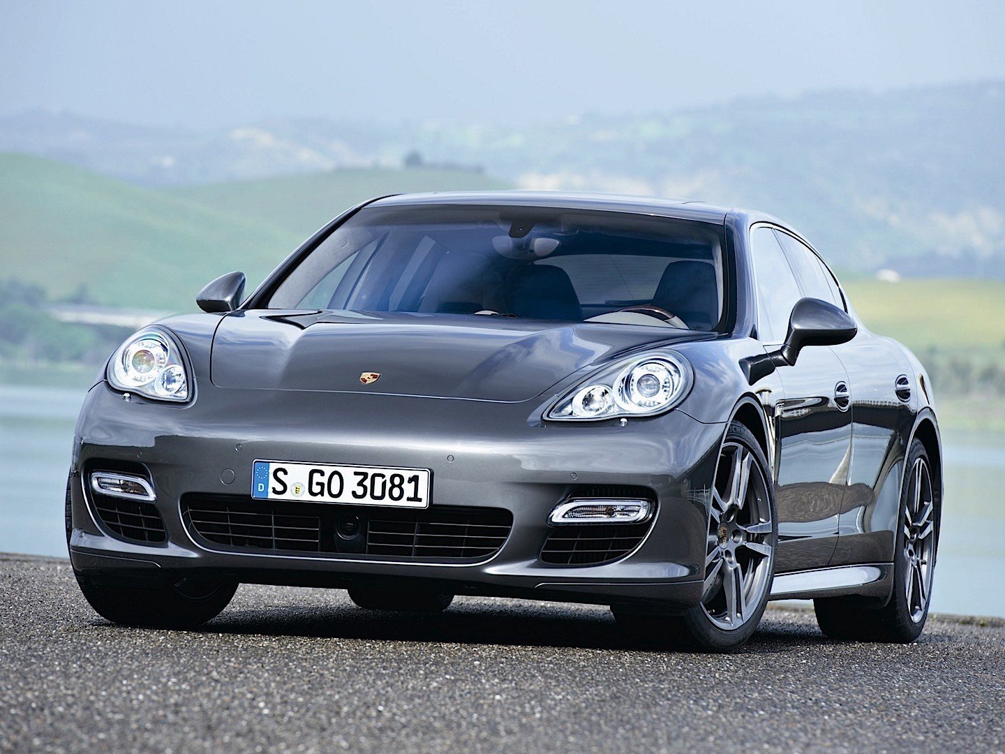 porsche panamera turbo s 907 specs photos 2011 2012. Black Bedroom Furniture Sets. Home Design Ideas