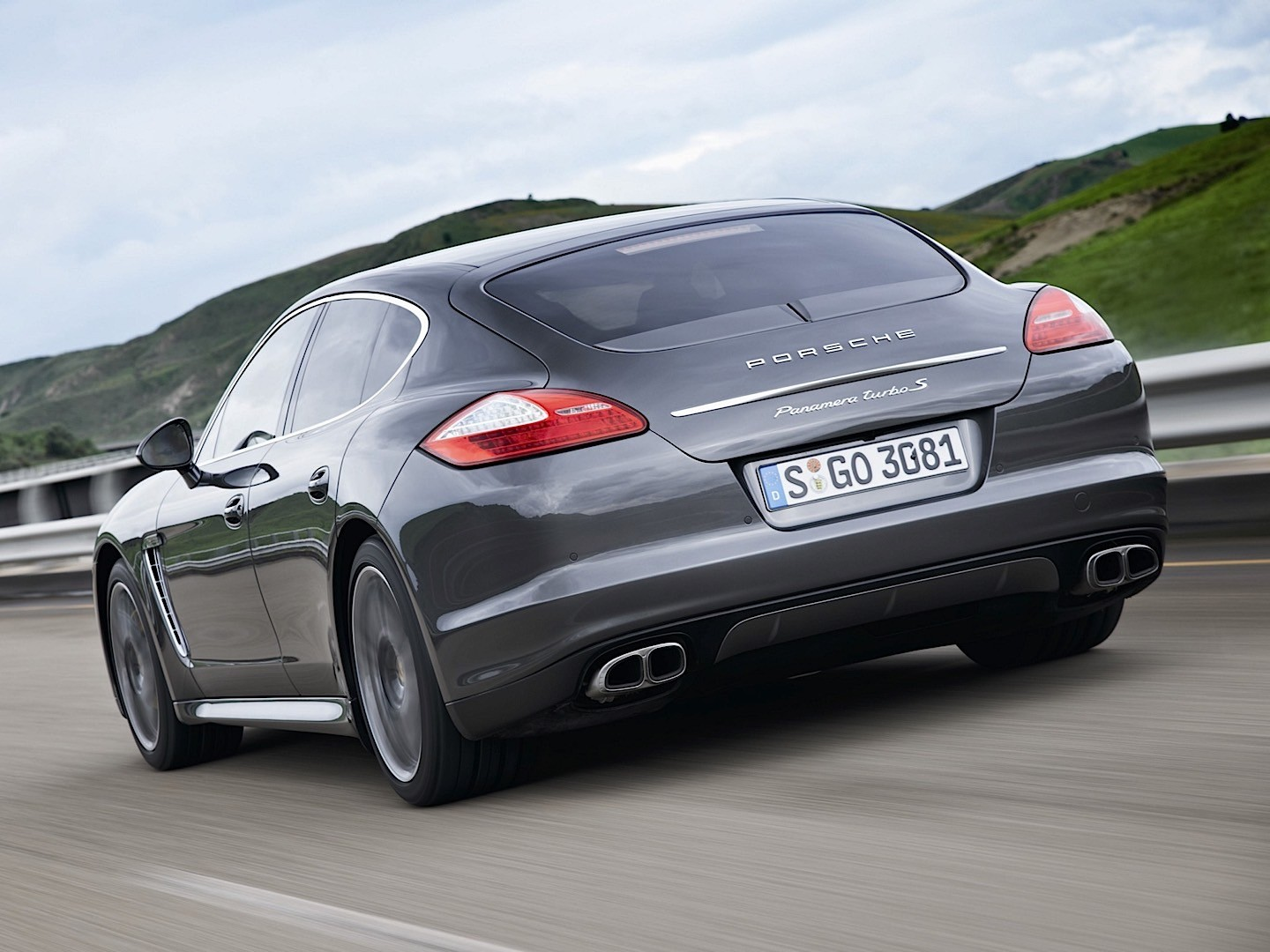 porsche panamera turbo s 907 specs photos 2011 2012 2013 autoevolution. Black Bedroom Furniture Sets. Home Design Ideas