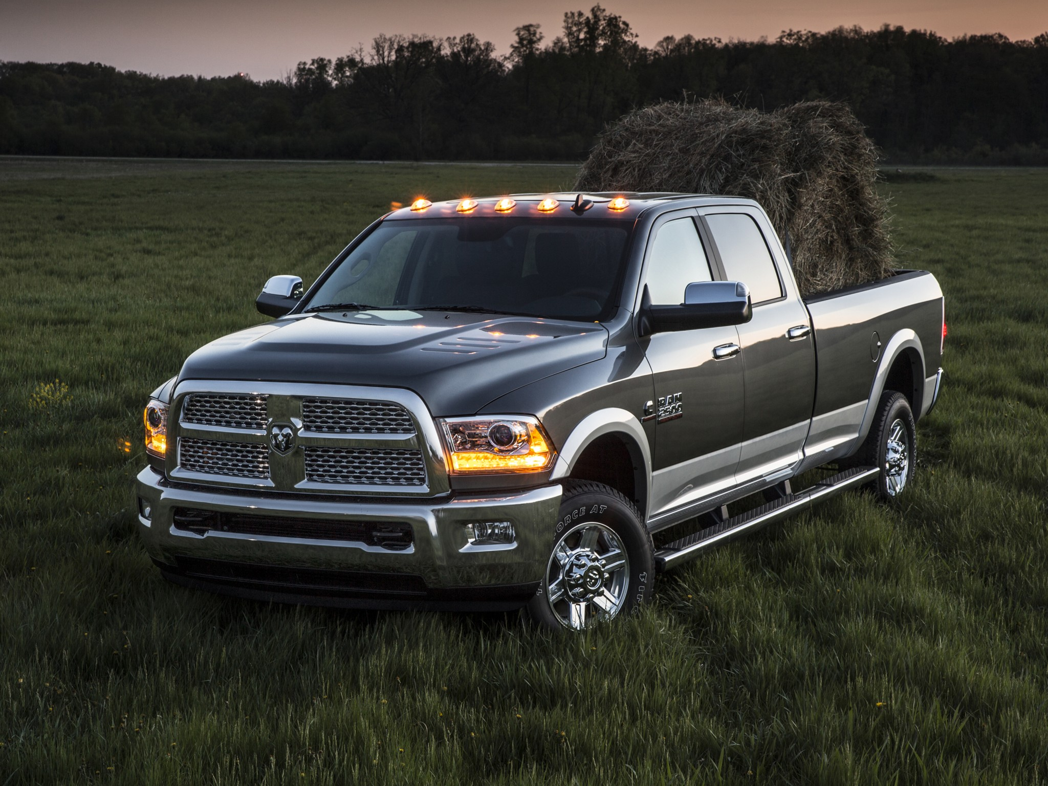 RAM Trucks 2500 Crew Cab specs & photos - 2013, 2014, 2015 ...
