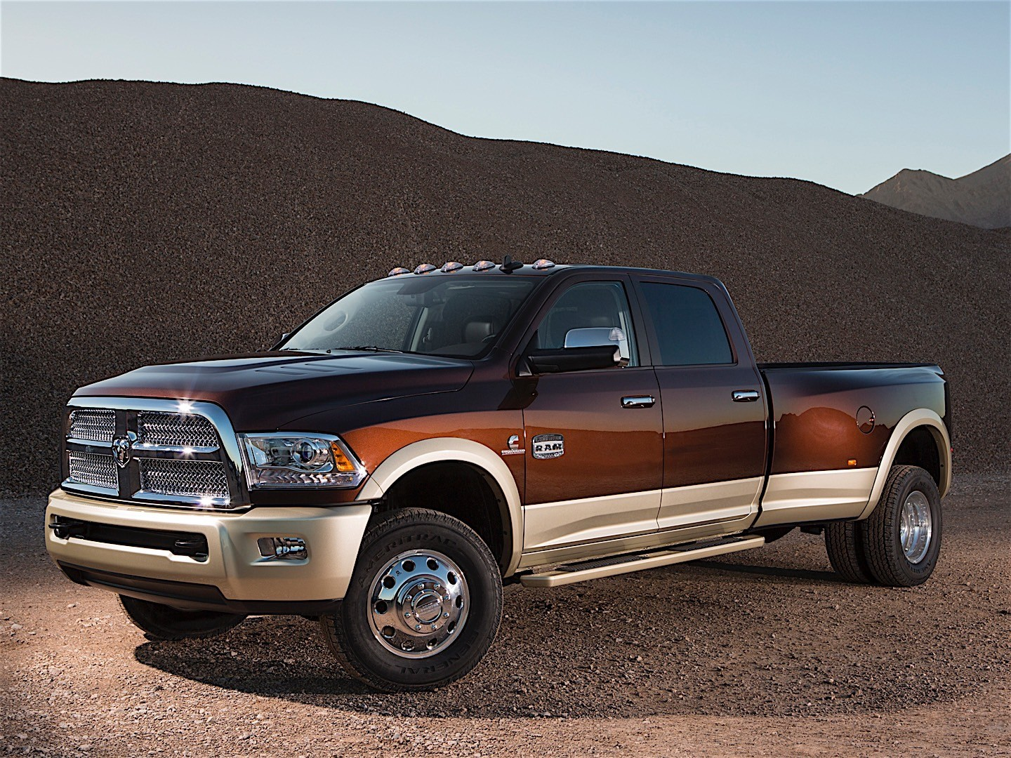 RAM Trucks 3500 Crew Cab specs & photos - 2013, 2014, 2015 ...