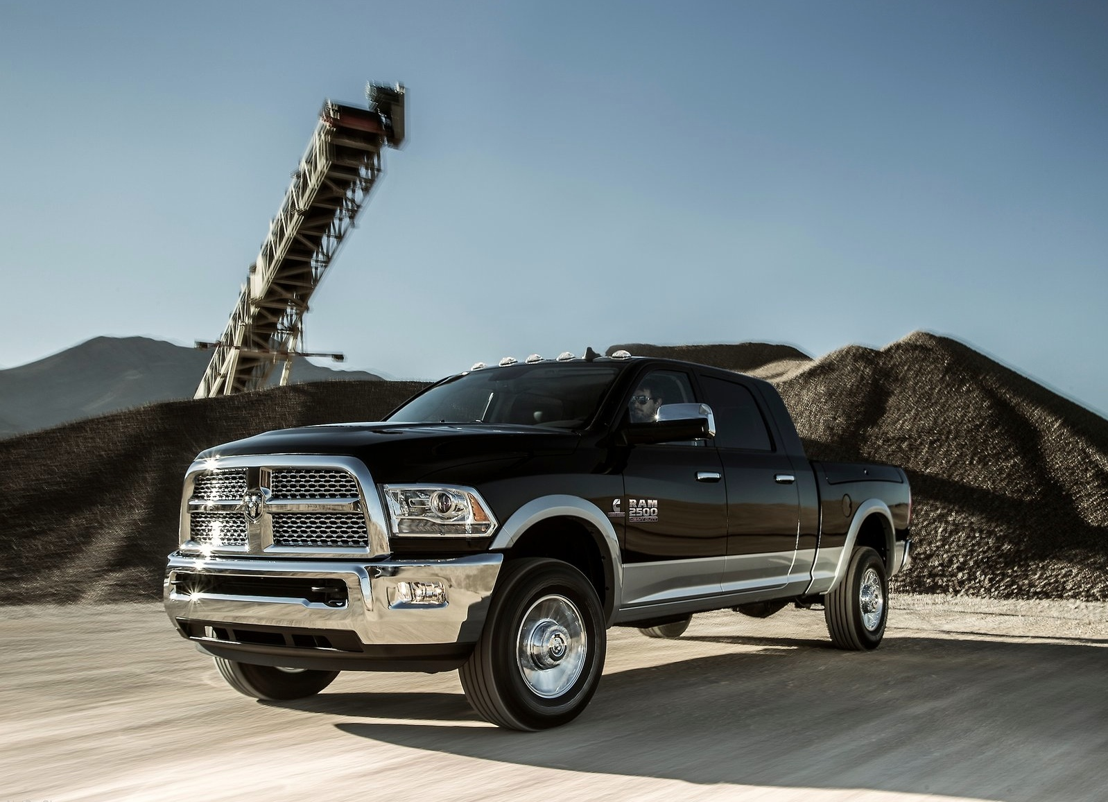 ram trucks 3500 mega cab specs 2013 2014 2015 2016. Black Bedroom Furniture Sets. Home Design Ideas