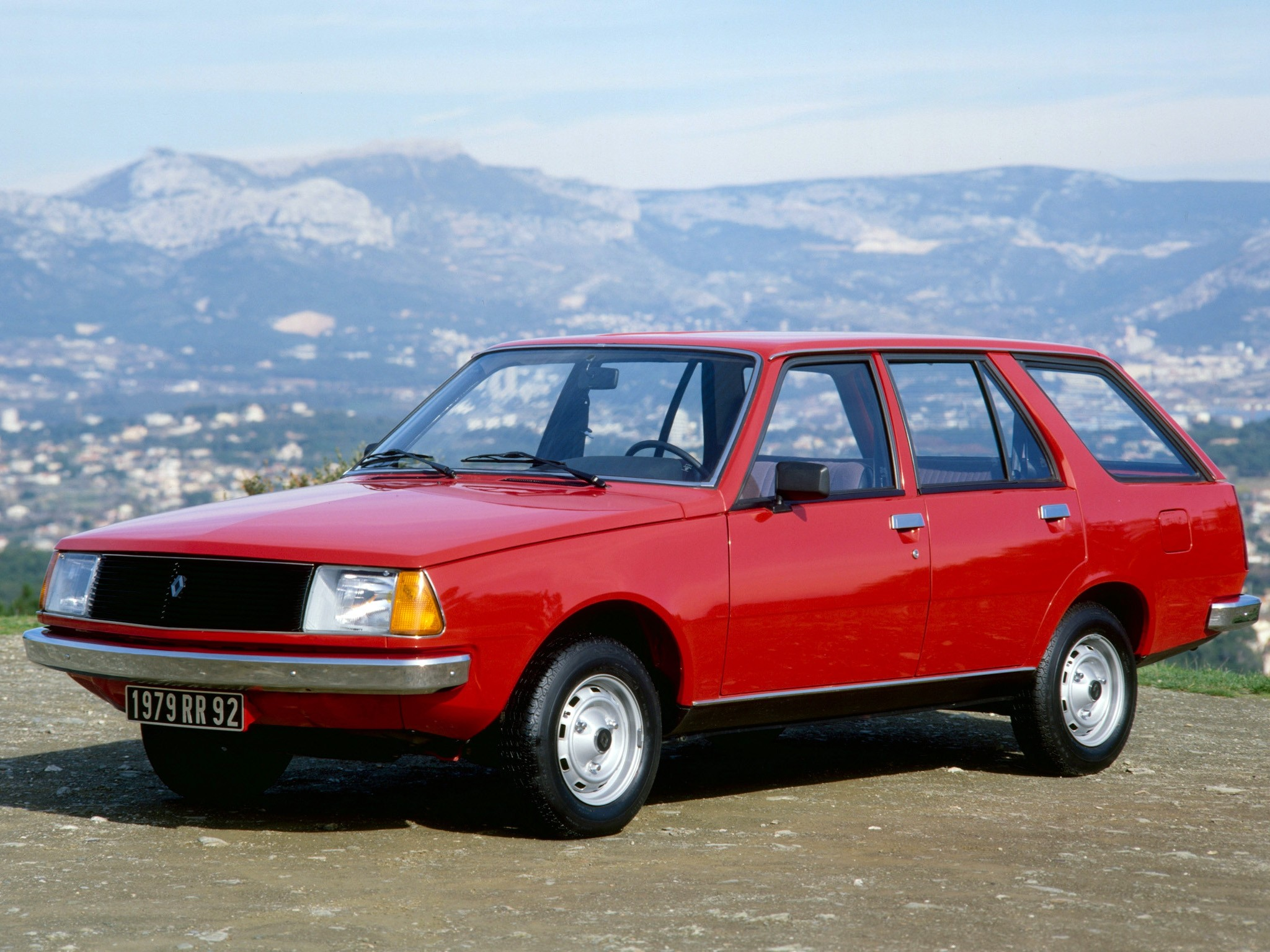 Renault 18 Estate Specs Photos 1979 1980 1981 1982 1983 1984 Autoevolution