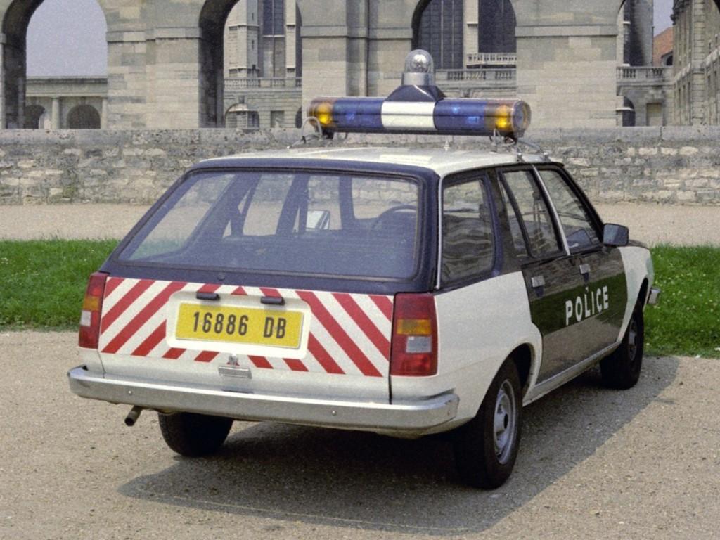Renault Estate on 1982 Bmw 4 Door