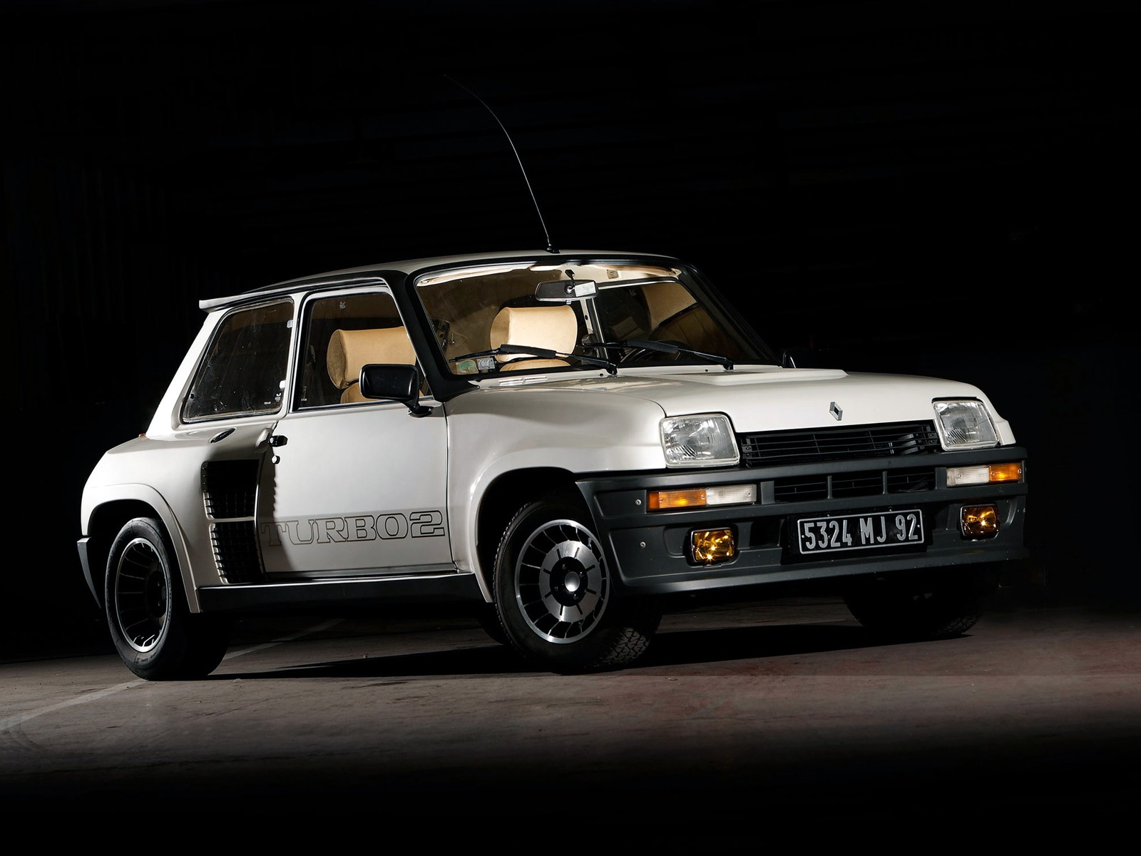 renault 5 turbo specs photos 1980 1981 1982 1983 1984 autoevolution. Black Bedroom Furniture Sets. Home Design Ideas