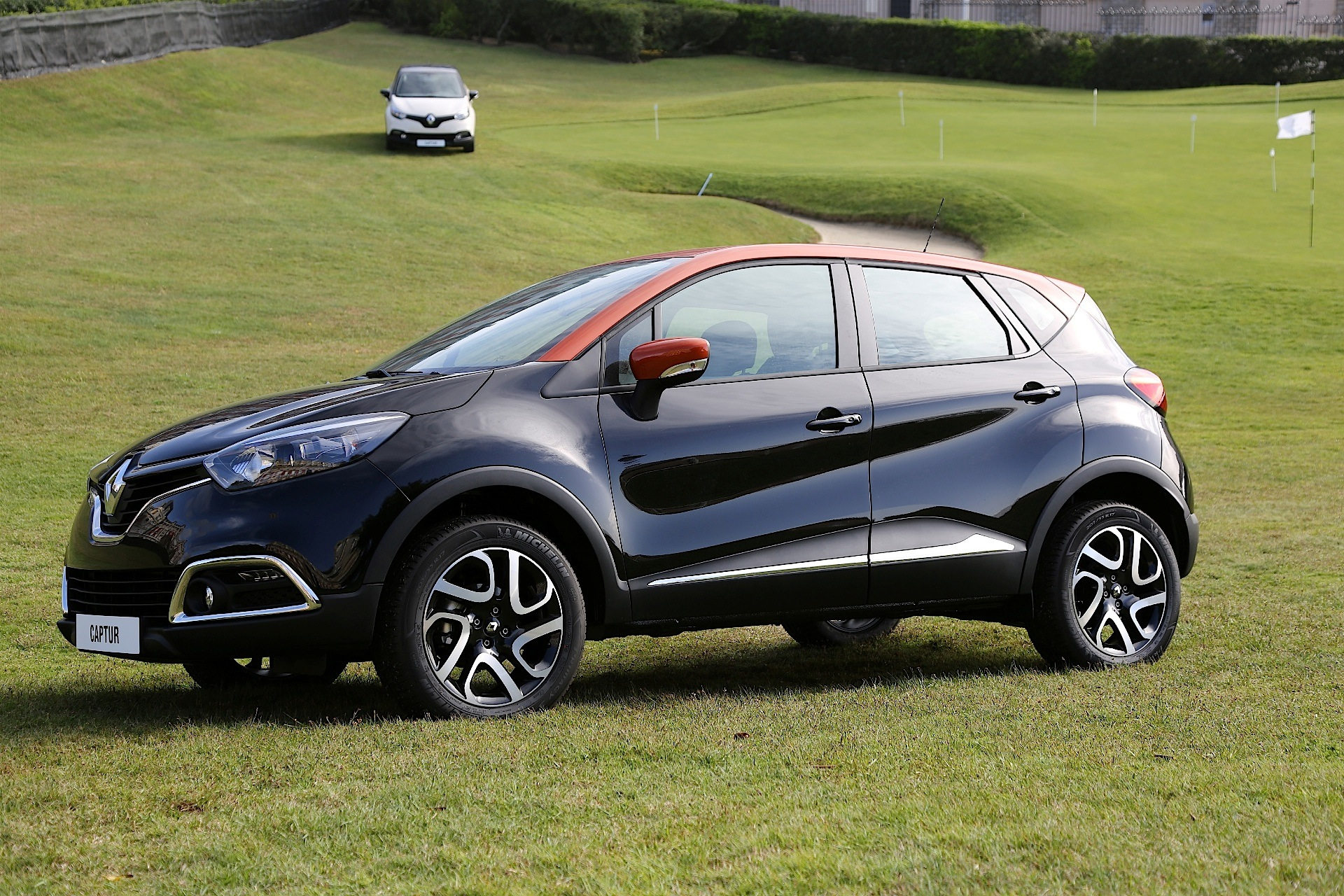 renault captur 2013 2014 2015 2016 autoevolution. Black Bedroom Furniture Sets. Home Design Ideas