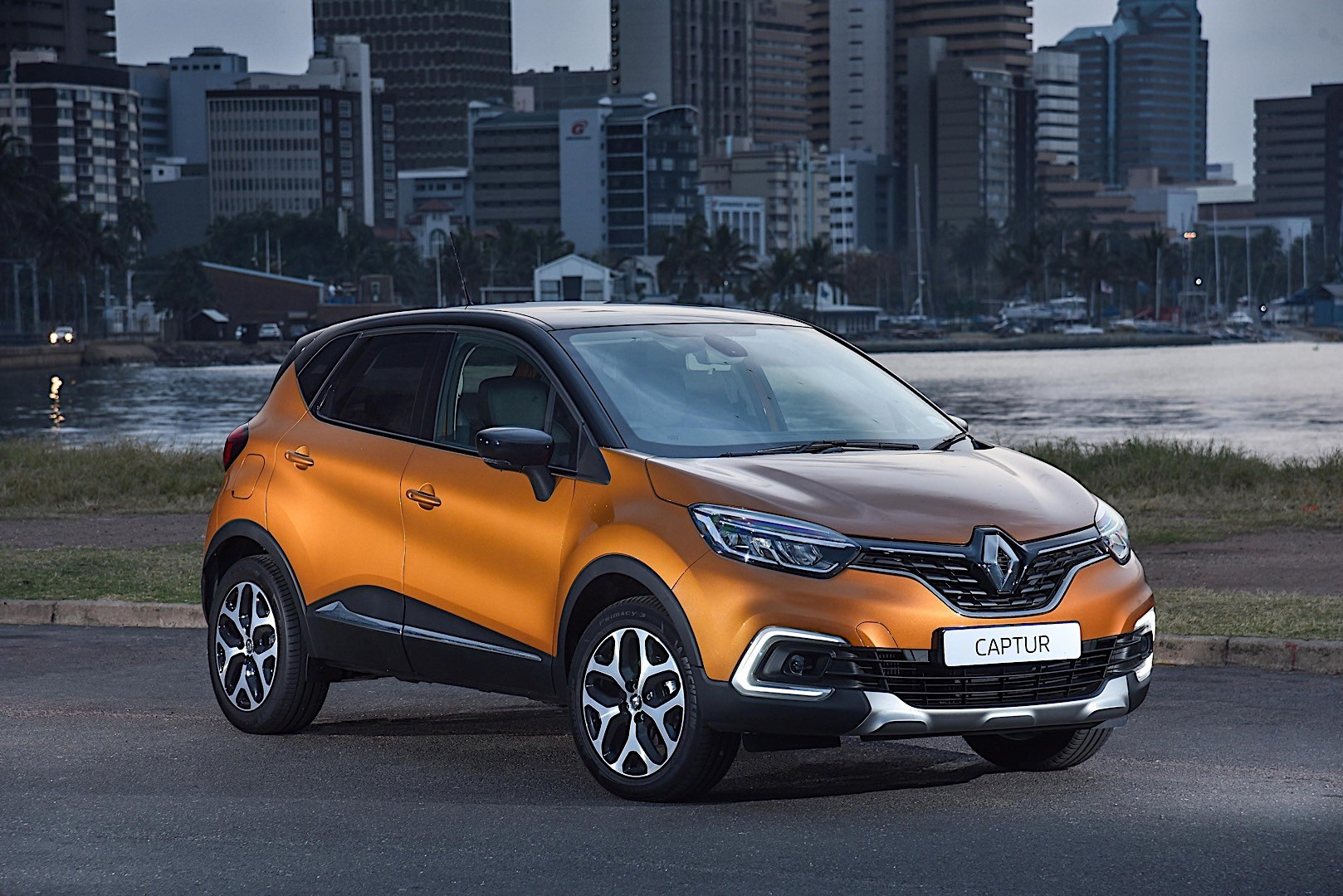 renault captur specs 2017 2018 autoevolution. Black Bedroom Furniture Sets. Home Design Ideas