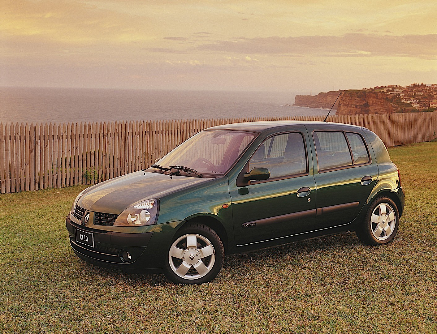 timing for renault clio 1,6 2001 year heating hose diagram for 1999 mazda 1 6 engine renault clio 5 doors specs amp photos 2001 2002 2003