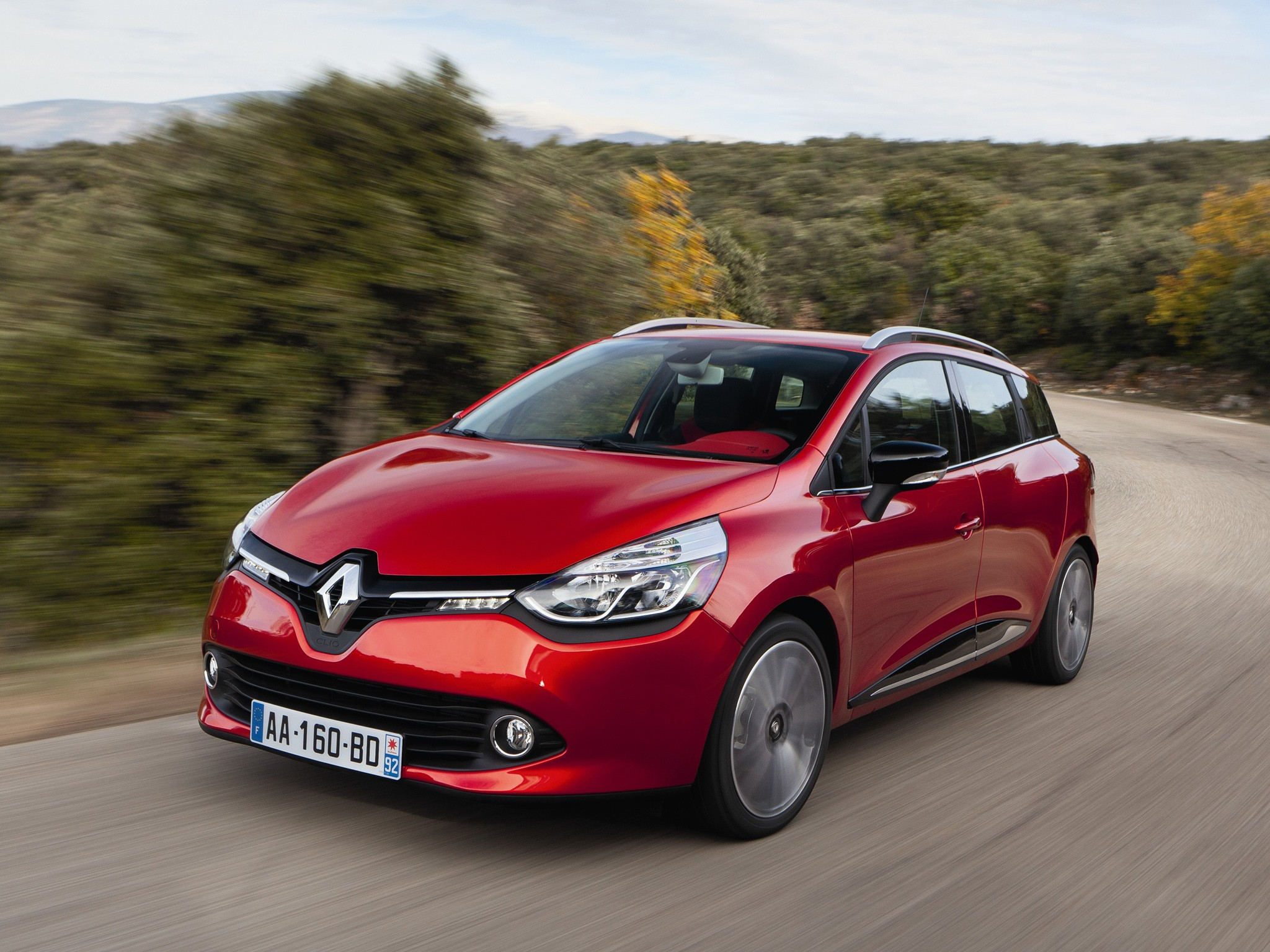 Renault clio estate specs 2013 2014 2015 2016 for Clio bianco avorio