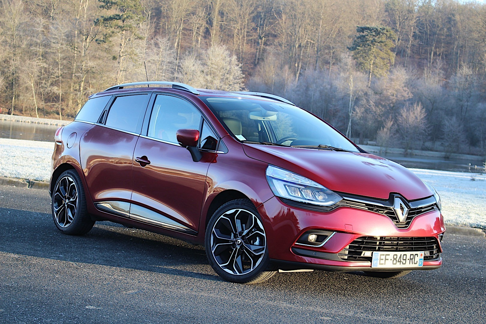 RENAULT Clio Estate specs & photos - 2016, 2017, 2018 ...