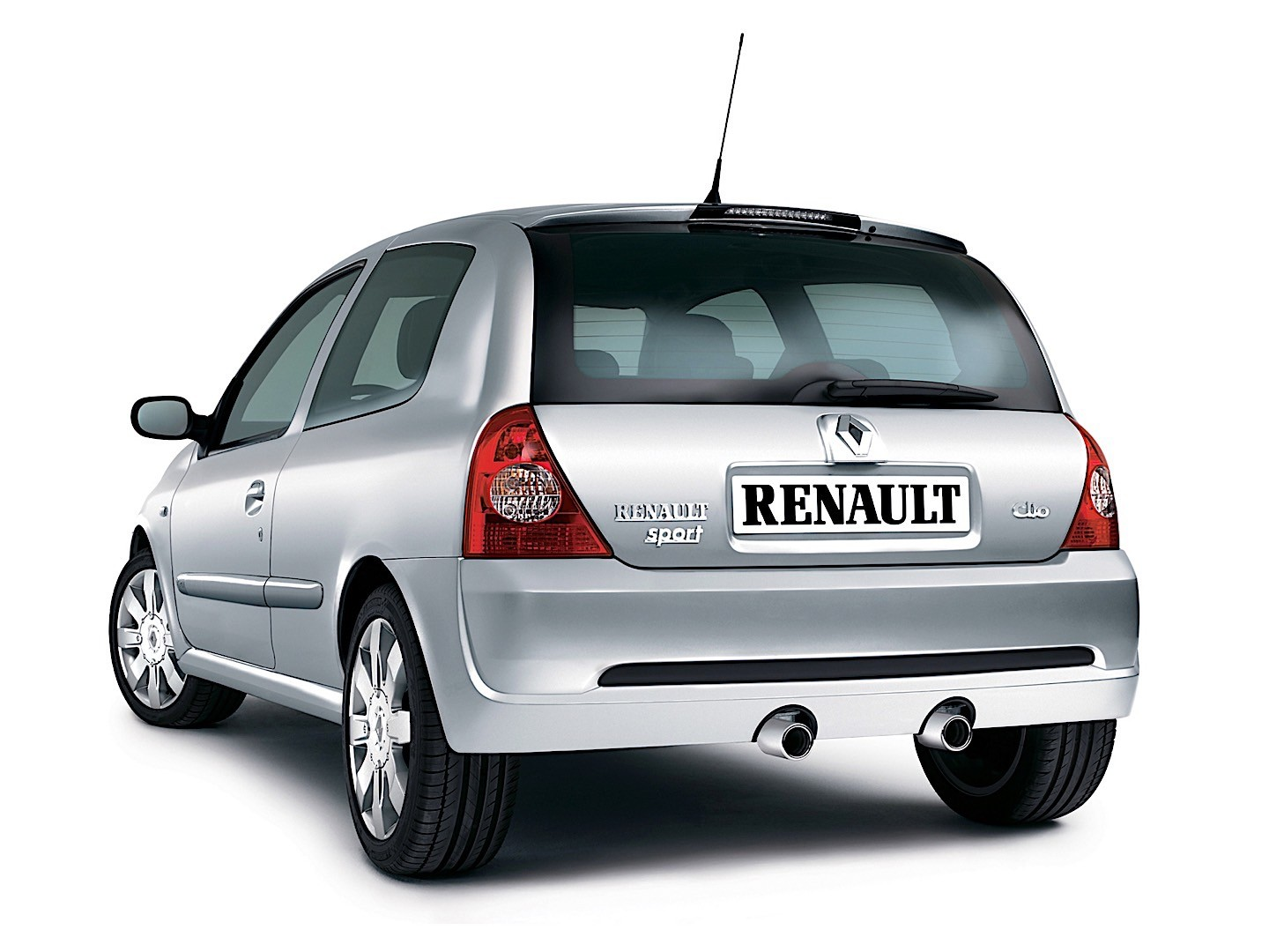 renault clio rs specs photos 2001 2002 2003 2004. Black Bedroom Furniture Sets. Home Design Ideas