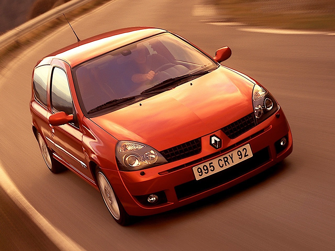 renault clio rs specs photos 2001 2002 2003 2004 2005 autoevolution. Black Bedroom Furniture Sets. Home Design Ideas