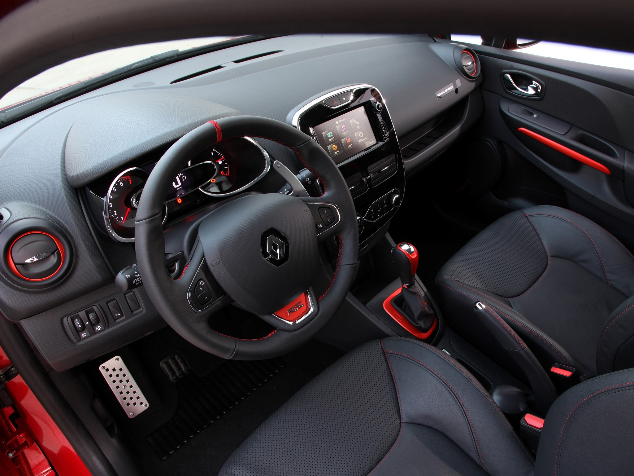 renault clio rs specs 2013 2014 2015 2016 2017 2018. Black Bedroom Furniture Sets. Home Design Ideas