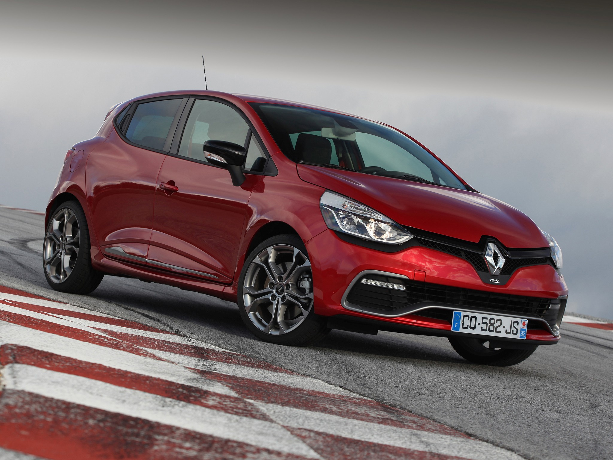 renault clio rs specs 2013 2014 2015 2016 2017 2018 autoevolution. Black Bedroom Furniture Sets. Home Design Ideas