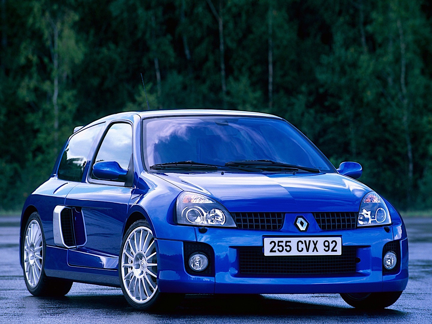renault clio v6 specs photos 2003 2004 2005. Black Bedroom Furniture Sets. Home Design Ideas